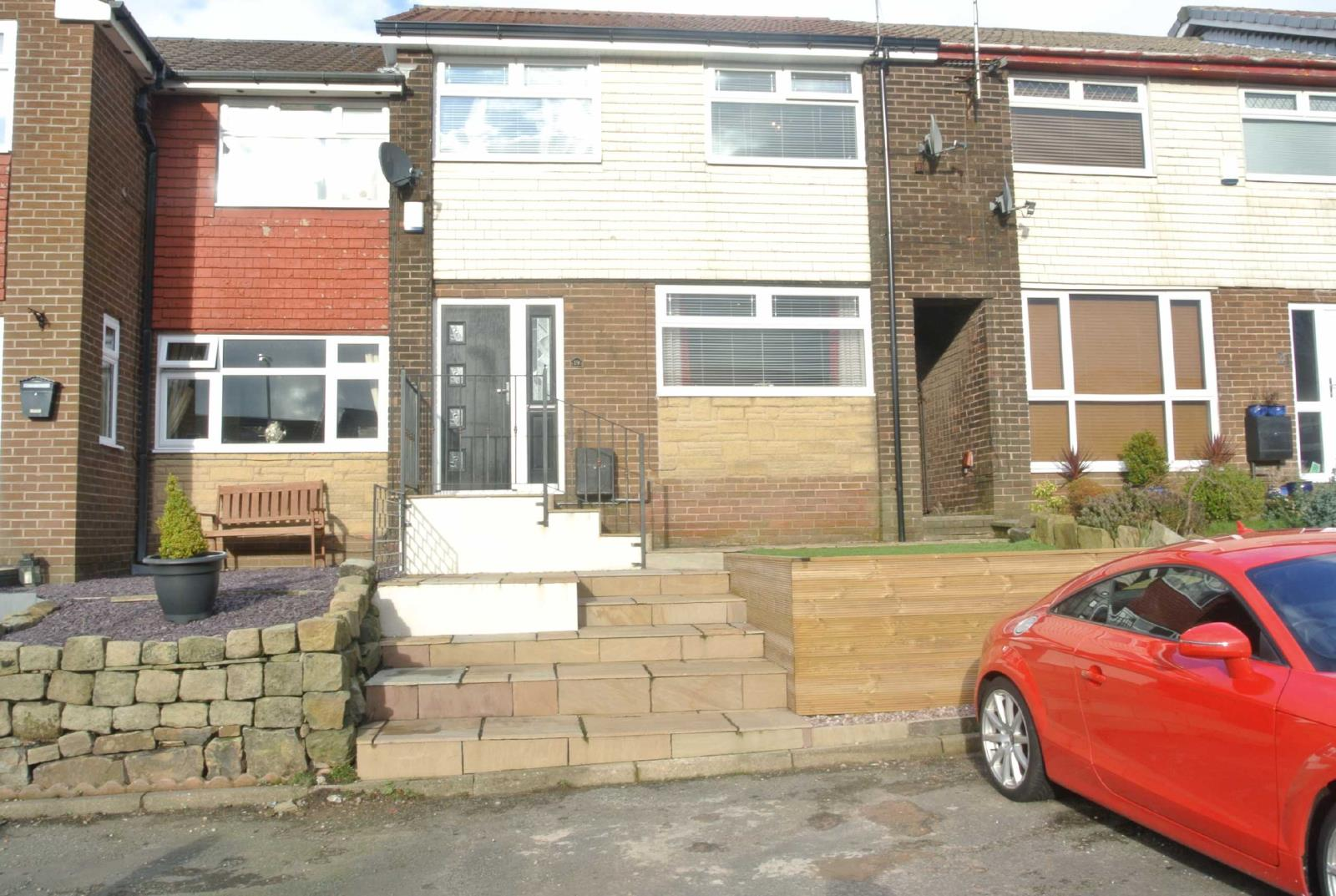 3 Bedrooms Terraced House for sale in Link Road, Springhead, Saddleworth, OL4