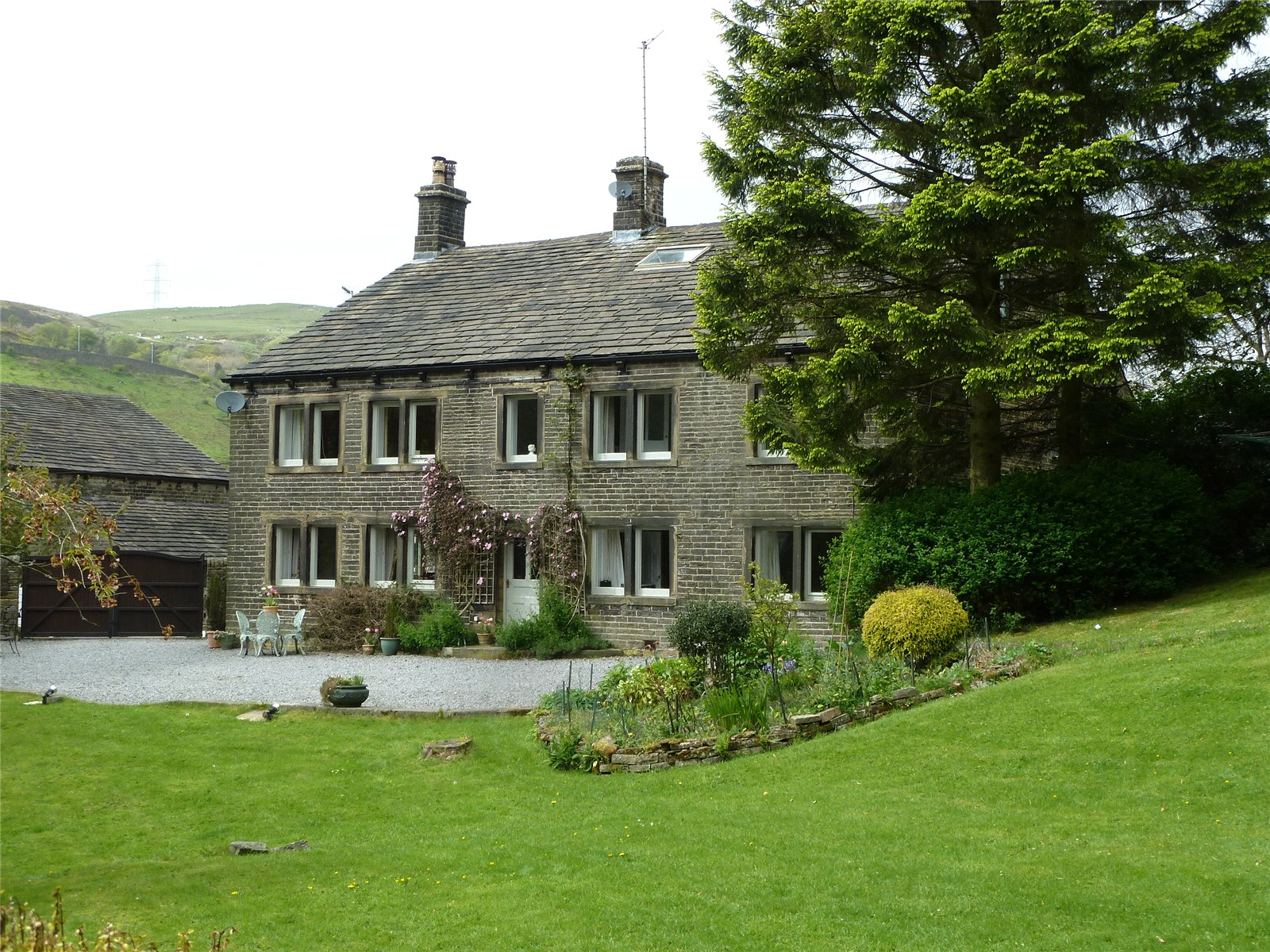 7 Bedrooms Detached House for sale in New Barn, Delph, Saddleworth, OL3