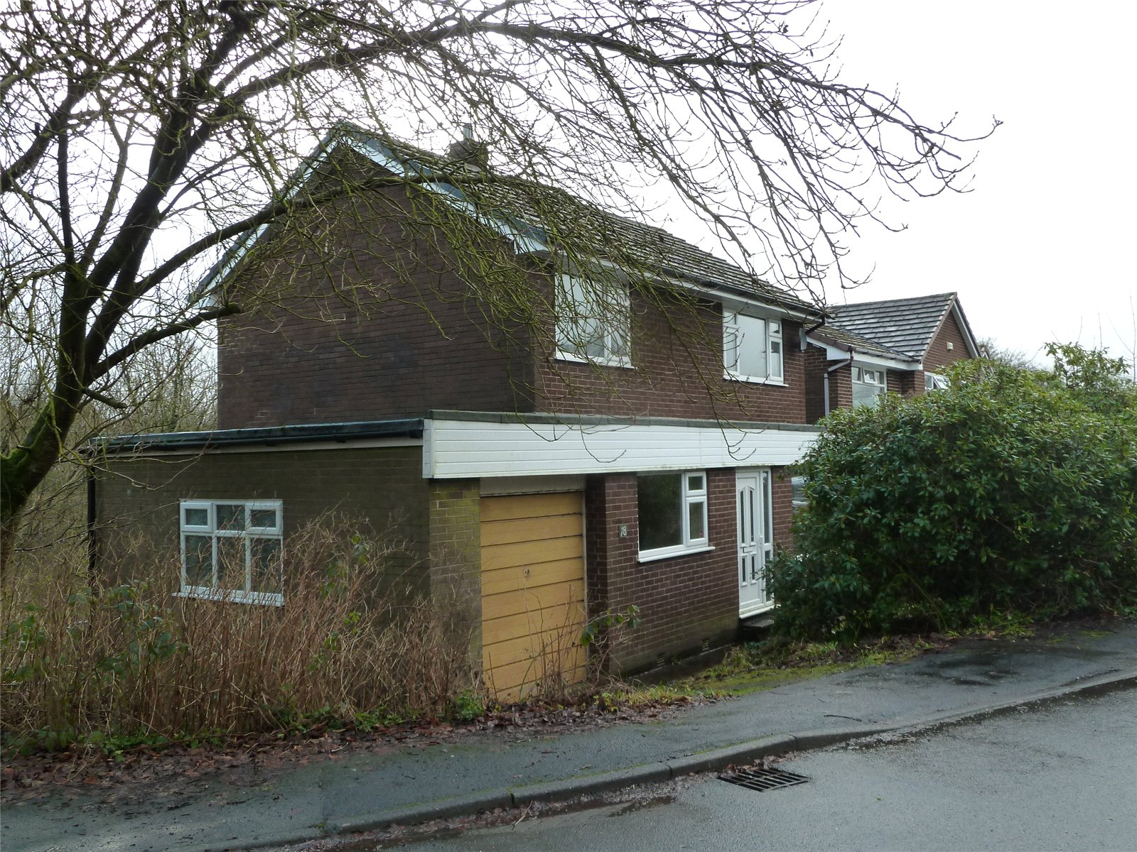 3 Bedrooms Detached House for sale in The Grove, Dobcross, Saddleworth, OL3