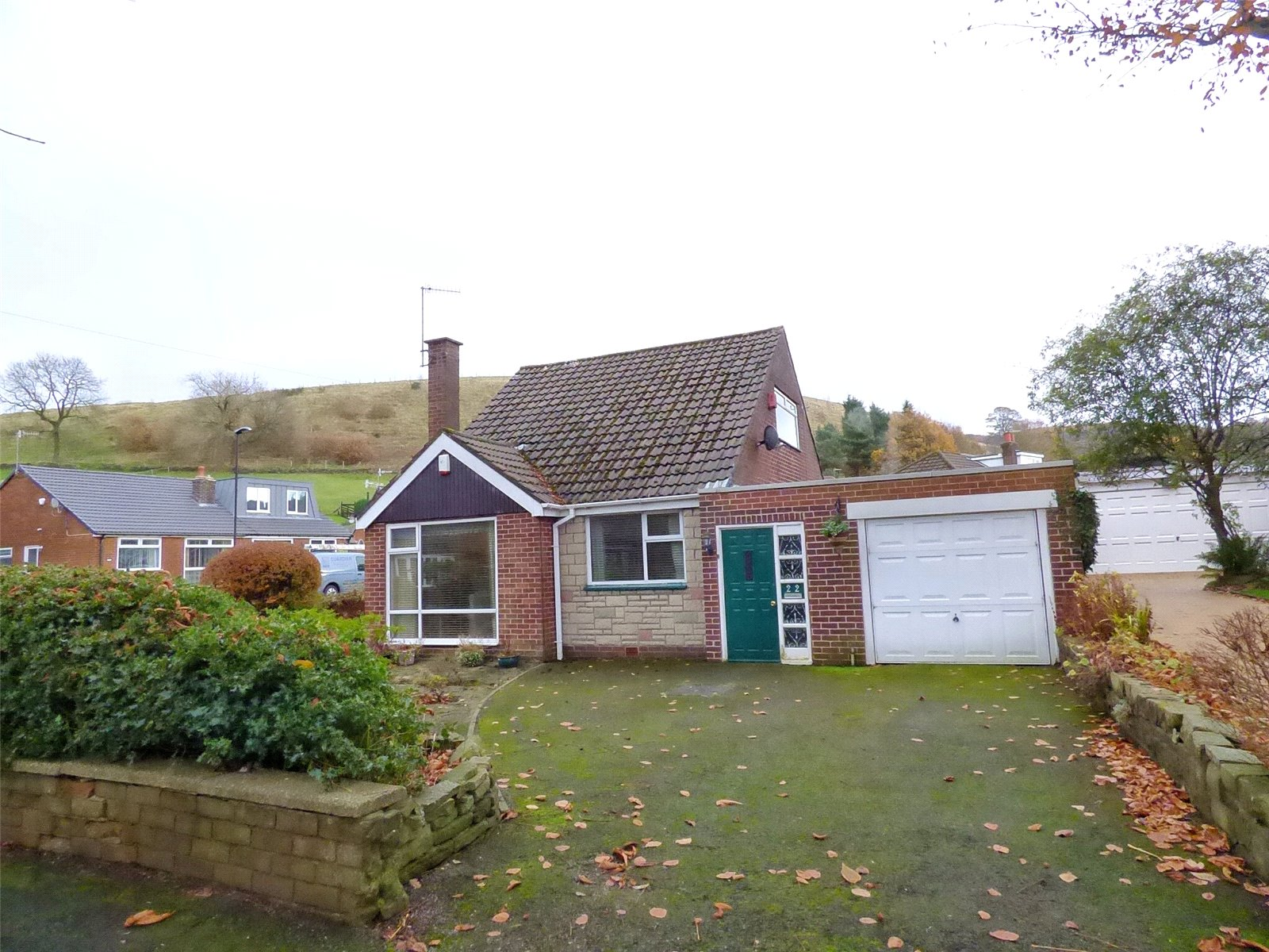 3 Bedrooms Detached Bungalow for sale in Shore Avenue, Shaw, Oldham, OL2