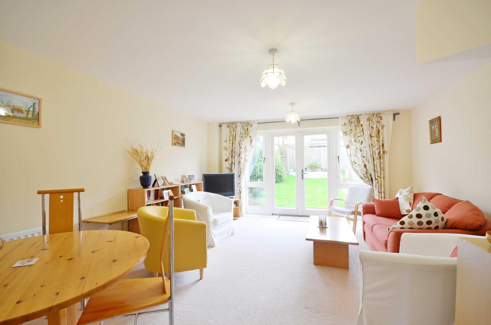 4 Bedrooms Terraced House for sale in Raven Close, Watford, Hertfordshire, WD18