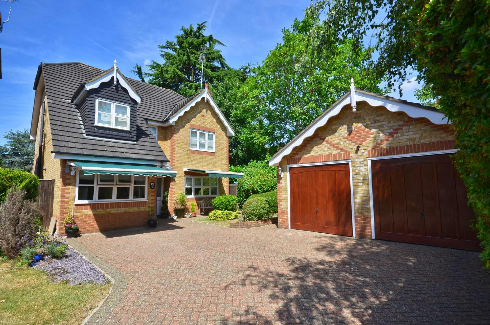 5 Bedrooms Detached House for sale in Alexandra Mews, Watford, Hertfordshire, WD17