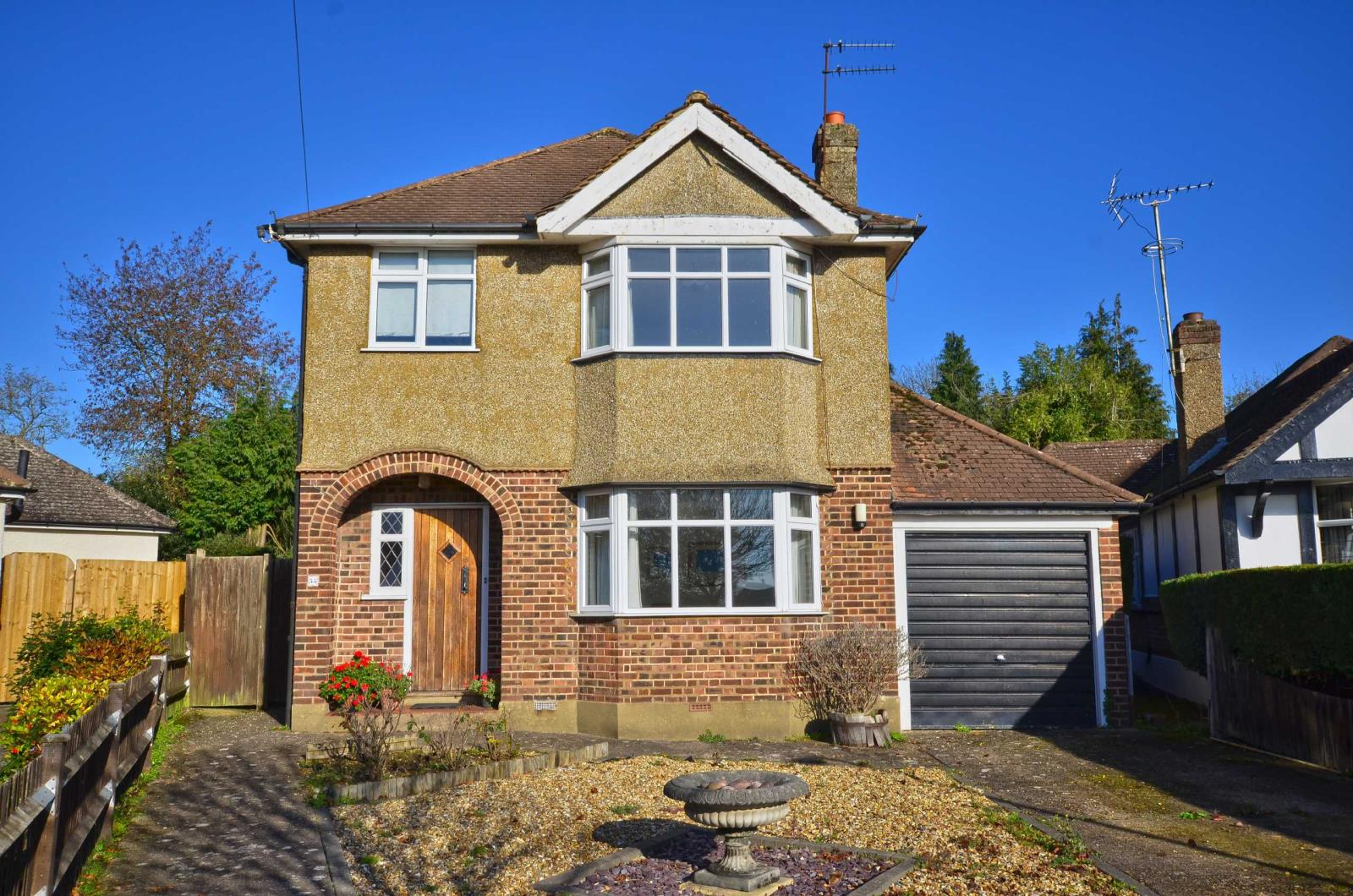 3 Bedrooms Terraced Bungalow for sale in Strangeways, Watford, Hertfordshire, WD17