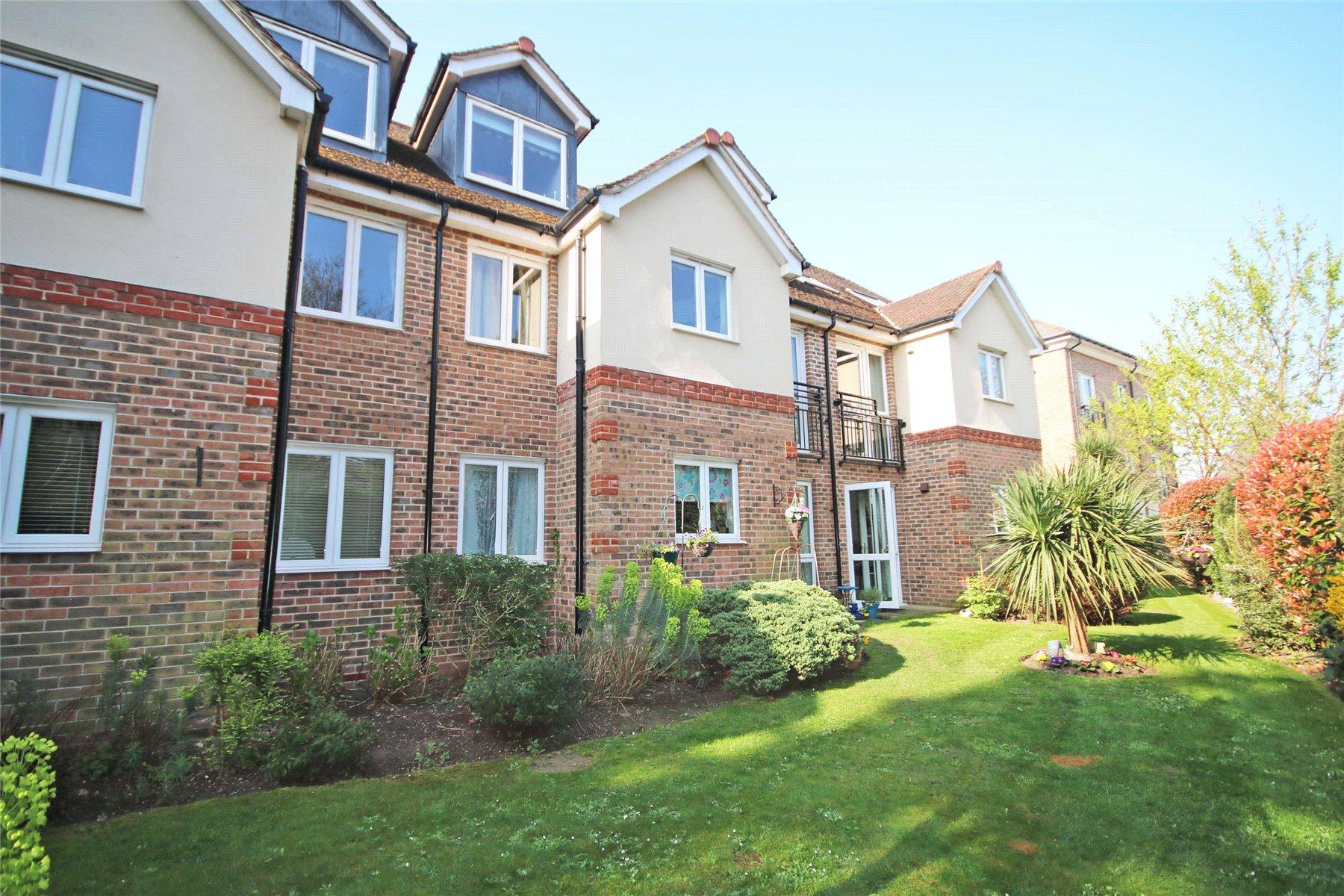 1 Bedroom Retirement Property for sale in Matthews Lodge, Station Road, Addlestone, Surrey, KT15