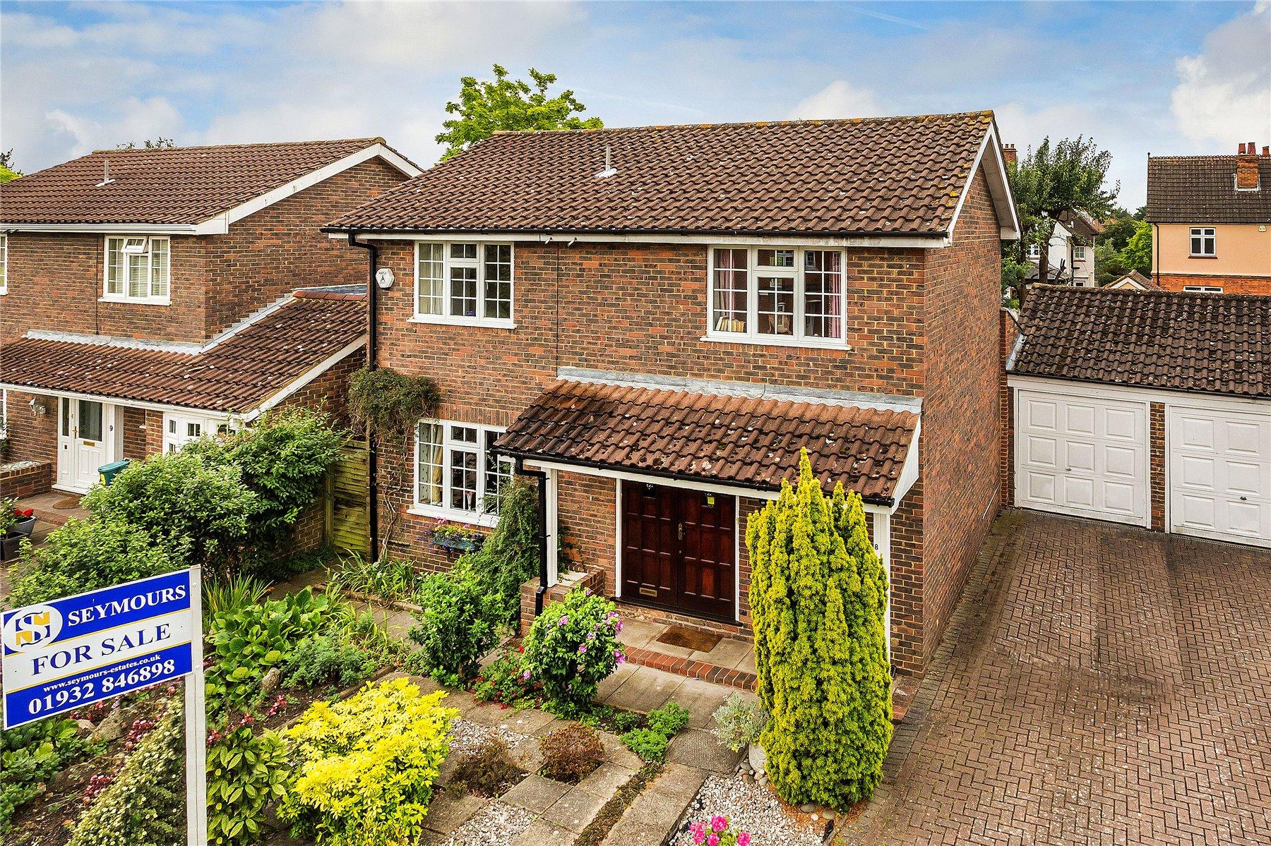4 Bedrooms House for sale in Darnley Park, Weybridge, Surrey, KT13