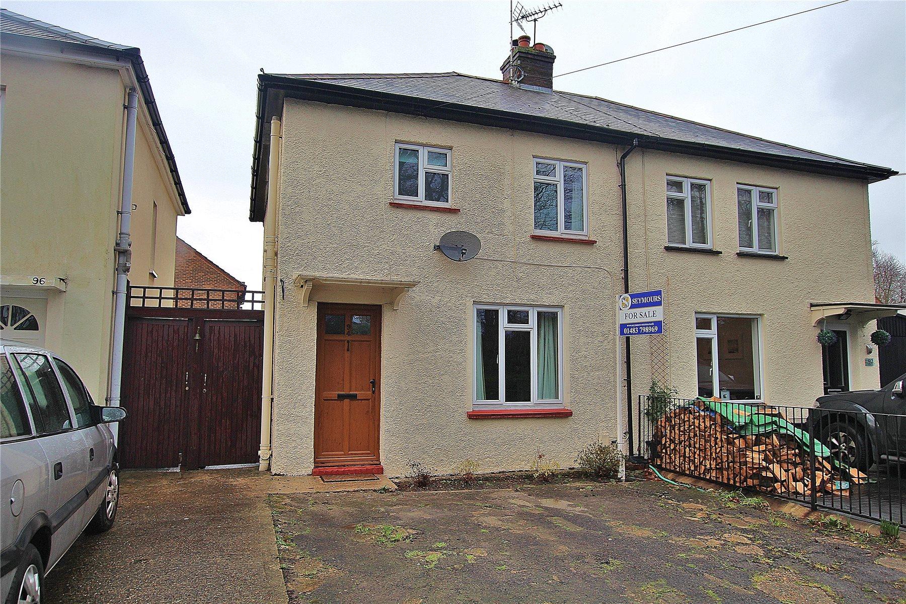 3 Bedrooms Semi Detached House for sale in Broadway, Knaphill, Woking, Surrey, GU21