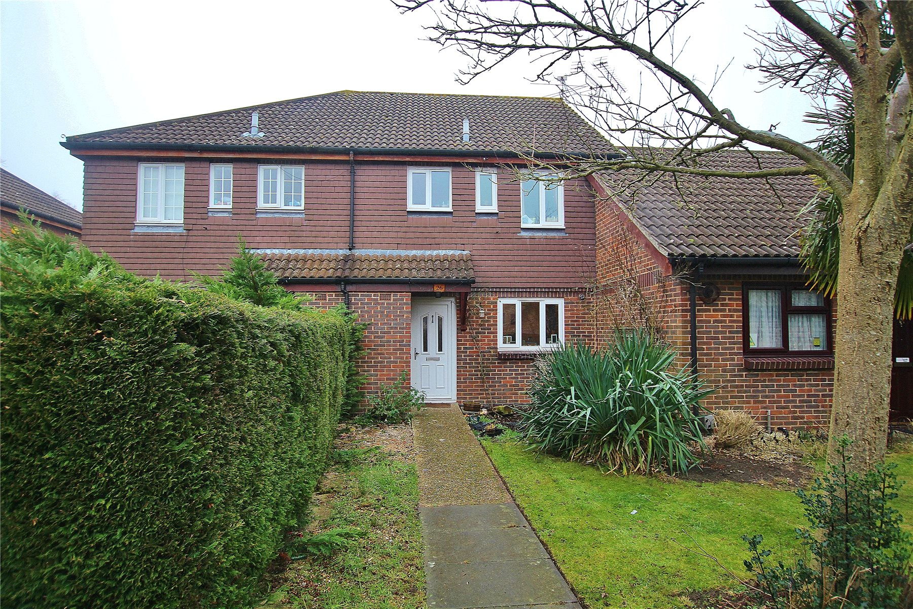 3 Bedrooms Terraced House for sale in Robertson Court, St Johns, Woking, GU21