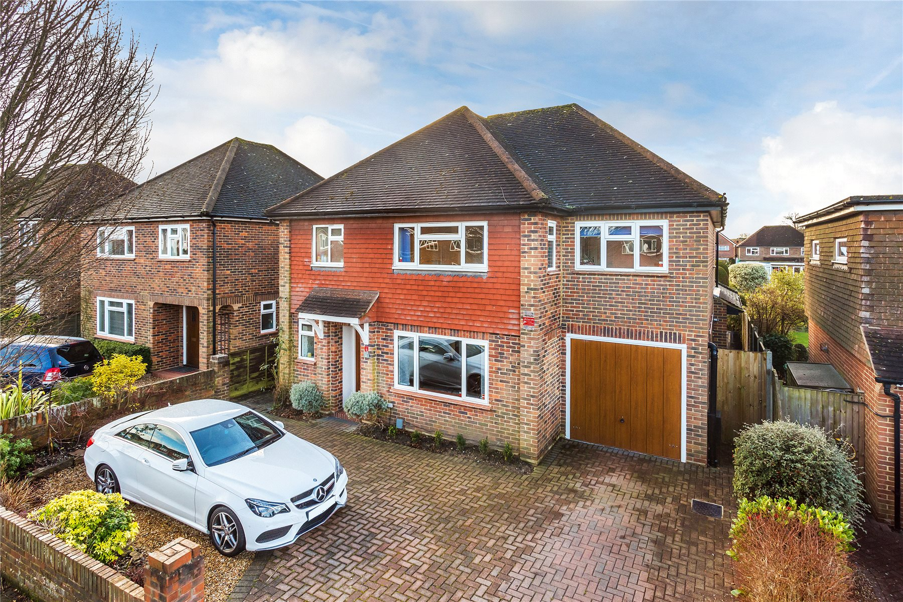 4 Bedrooms Detached House for sale in Lane End Drive, Knaphill, Woking, Surrey, GU21