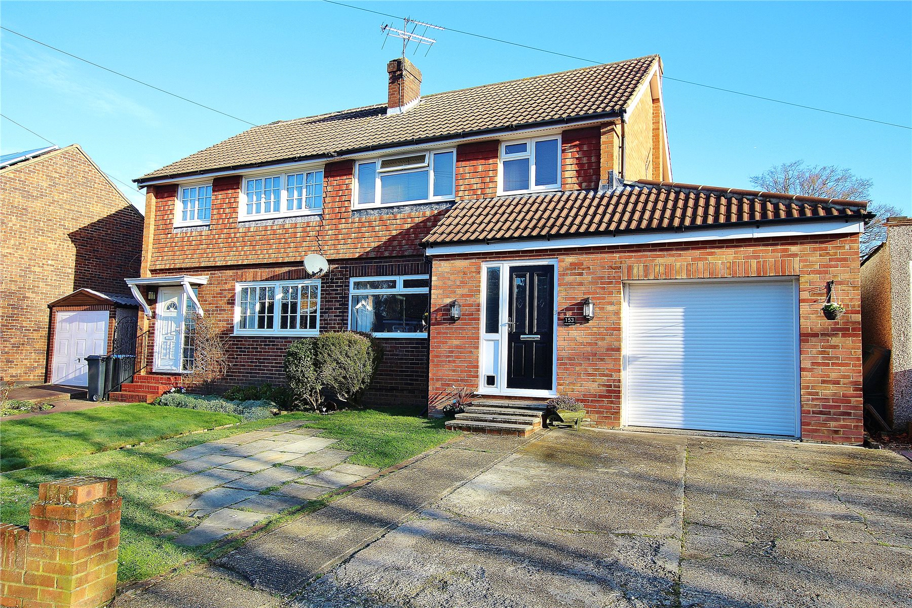3 Bedrooms Semi Detached House for sale in Hermitage Woods Crescent, St.Johns, Woking, Surrey, GU21