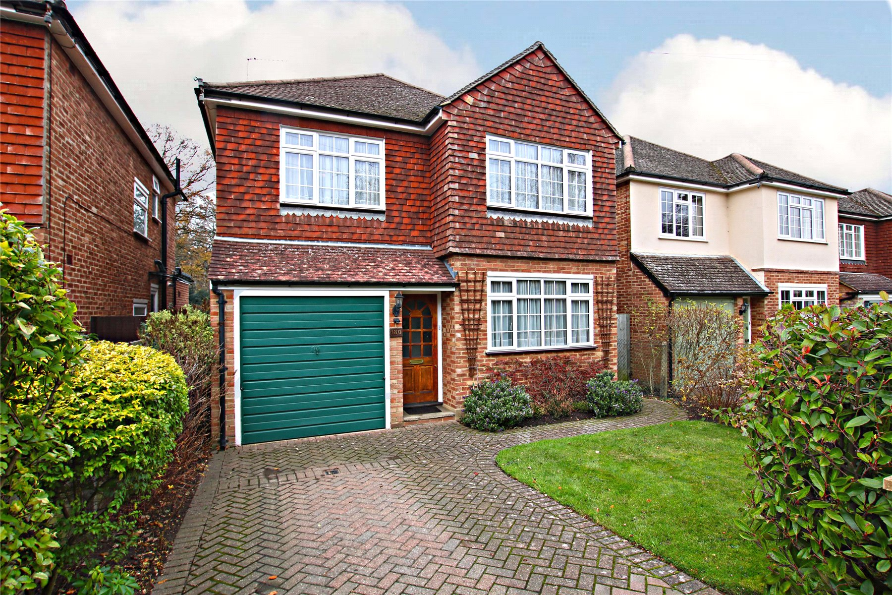3 Bedrooms Detached House for sale in Woodlands Avenue, West Byfleet, Surrey, KT14