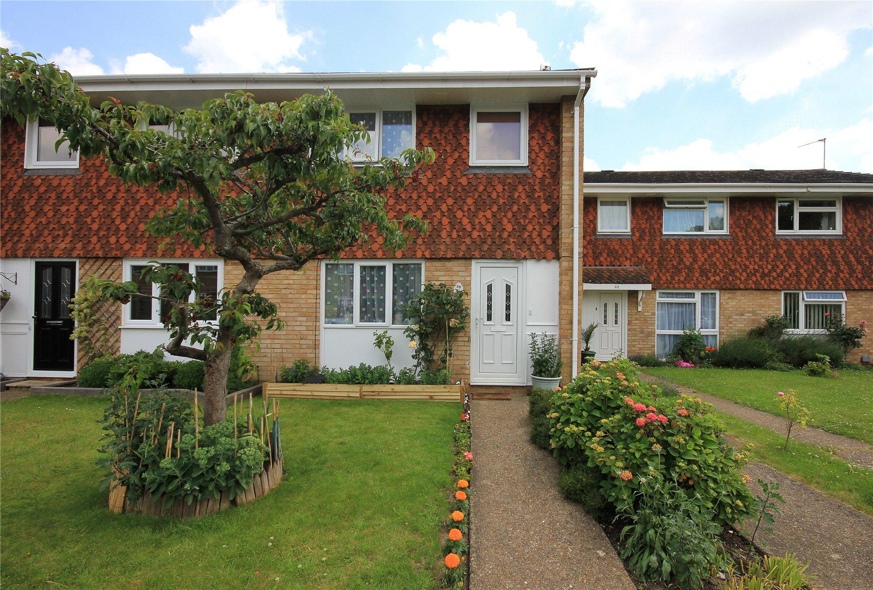 3 Bedrooms End Of Terrace House for sale in Paddocks Mead, Woking, Surrey, GU21