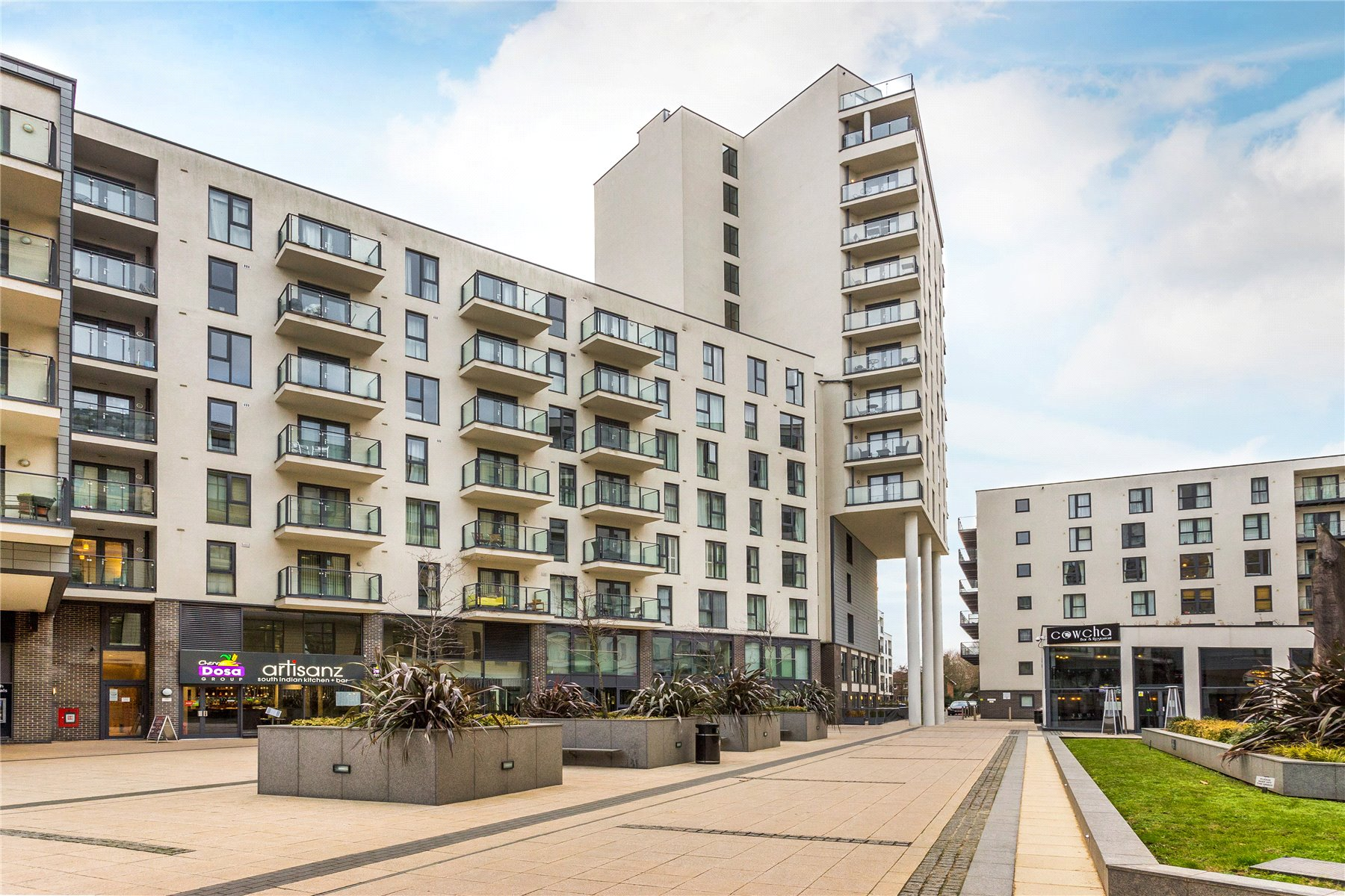 1 Bedroom Apartment Flat for sale in Cardinal Place, Guildford Road, Woking, Surrey, GU22