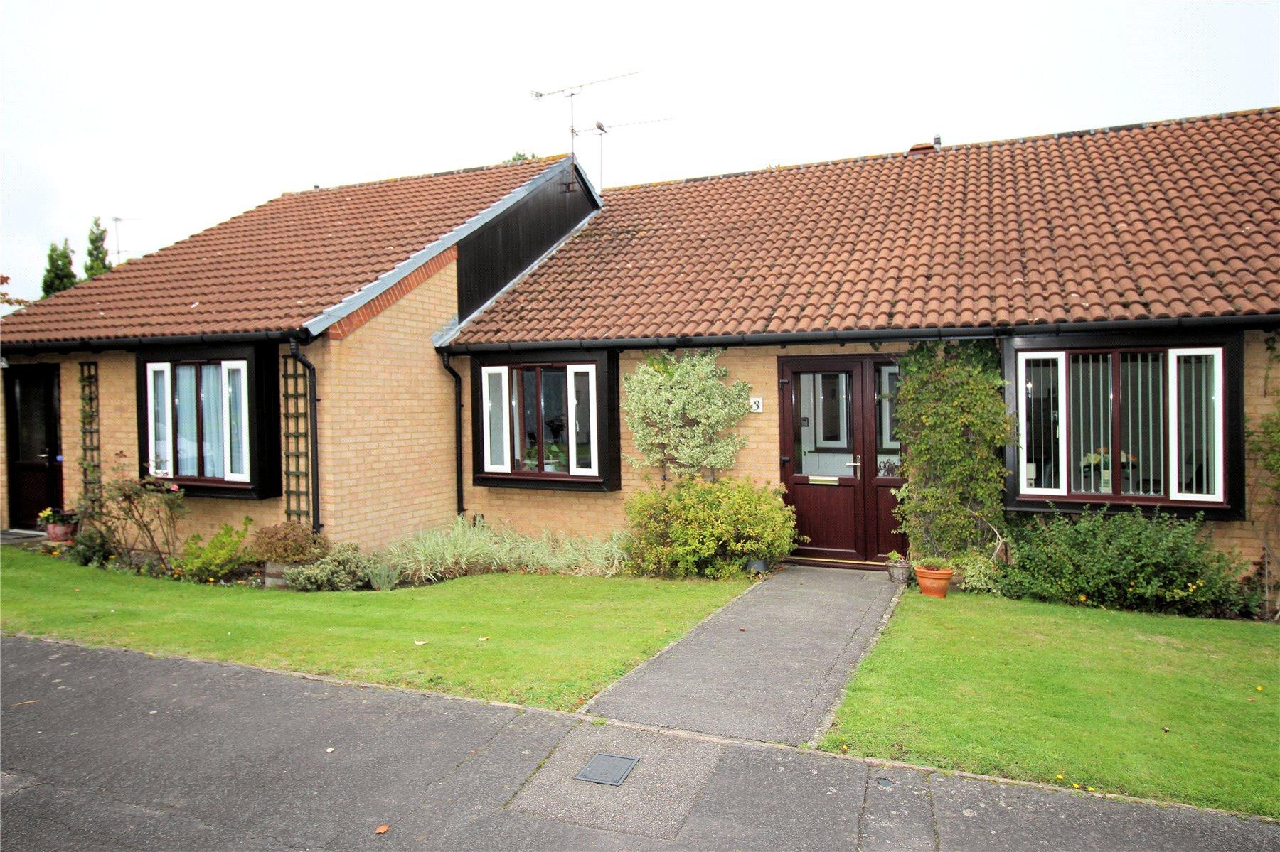 2 Bedrooms Retirement Property for sale in Fairmead, Woking, Surrey, GU21