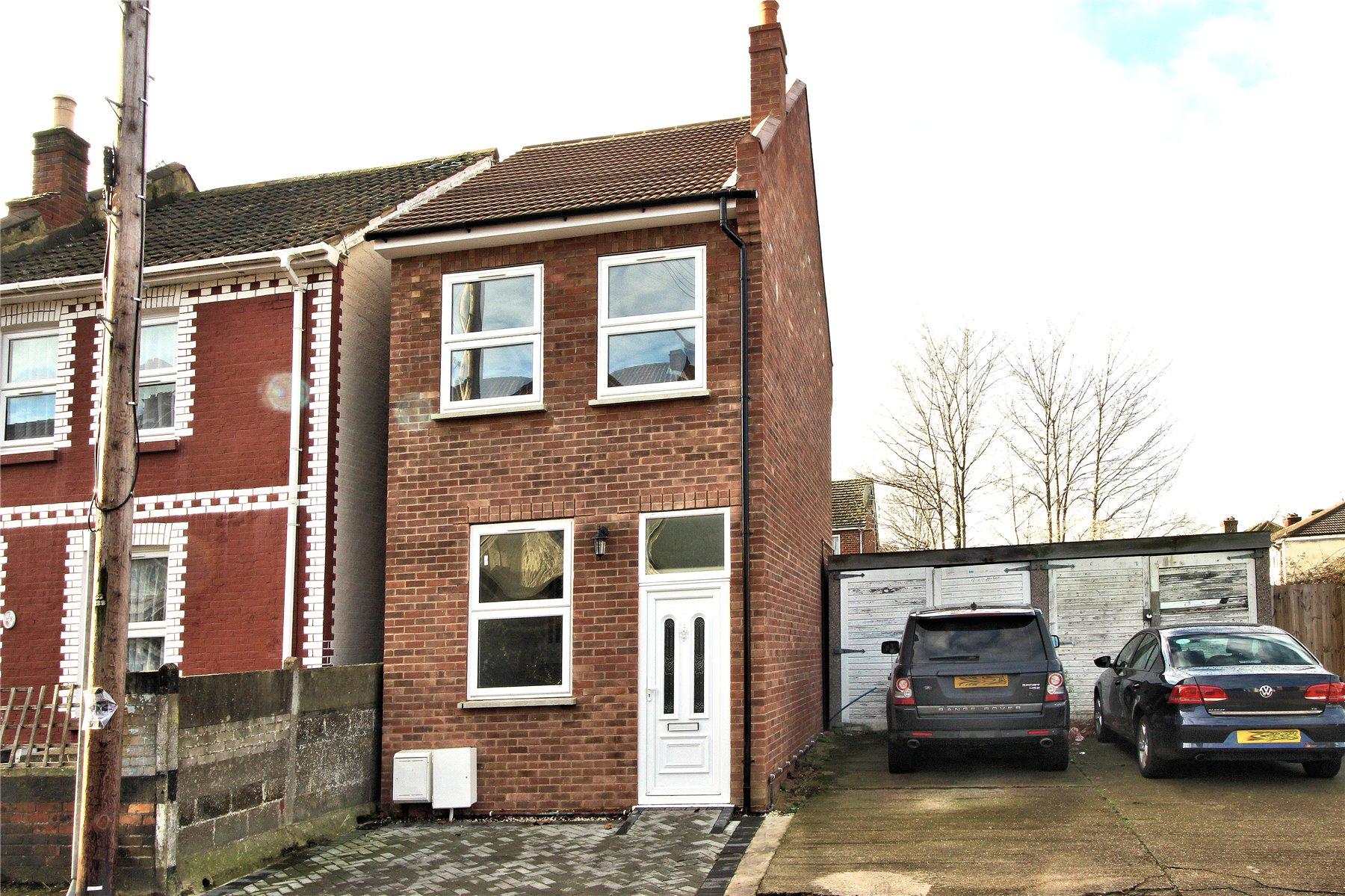 3 Bedrooms Detached House for sale in North Road, Woking, Surrey, GU21
