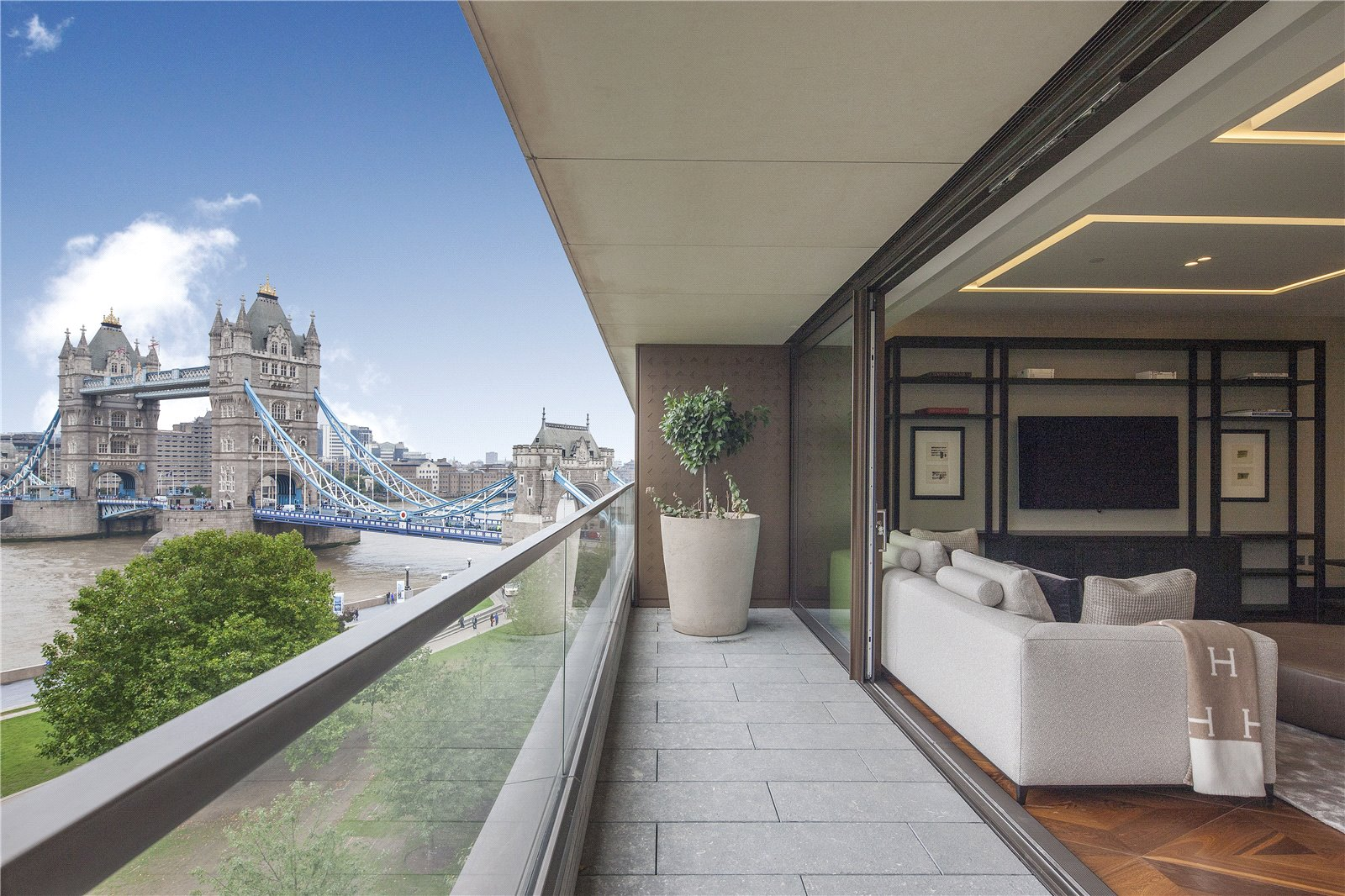 Apartment for Sale at Blenheim House, Tower Bridge, Crown Square, London, SE1 Blenheim House, Tower Bridge, Crown Square, London, SE1