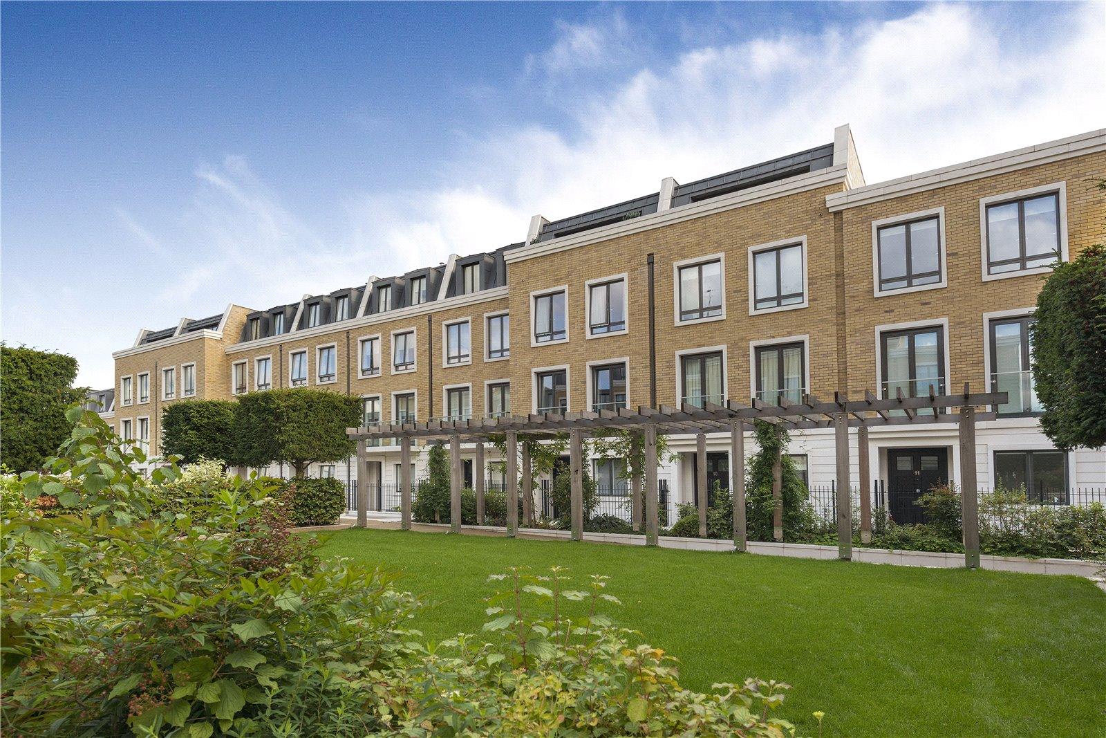 House for Sale at Rainsborough Square, Fulham, London, SW6 Rainsborough Square, Fulham, London, SW6