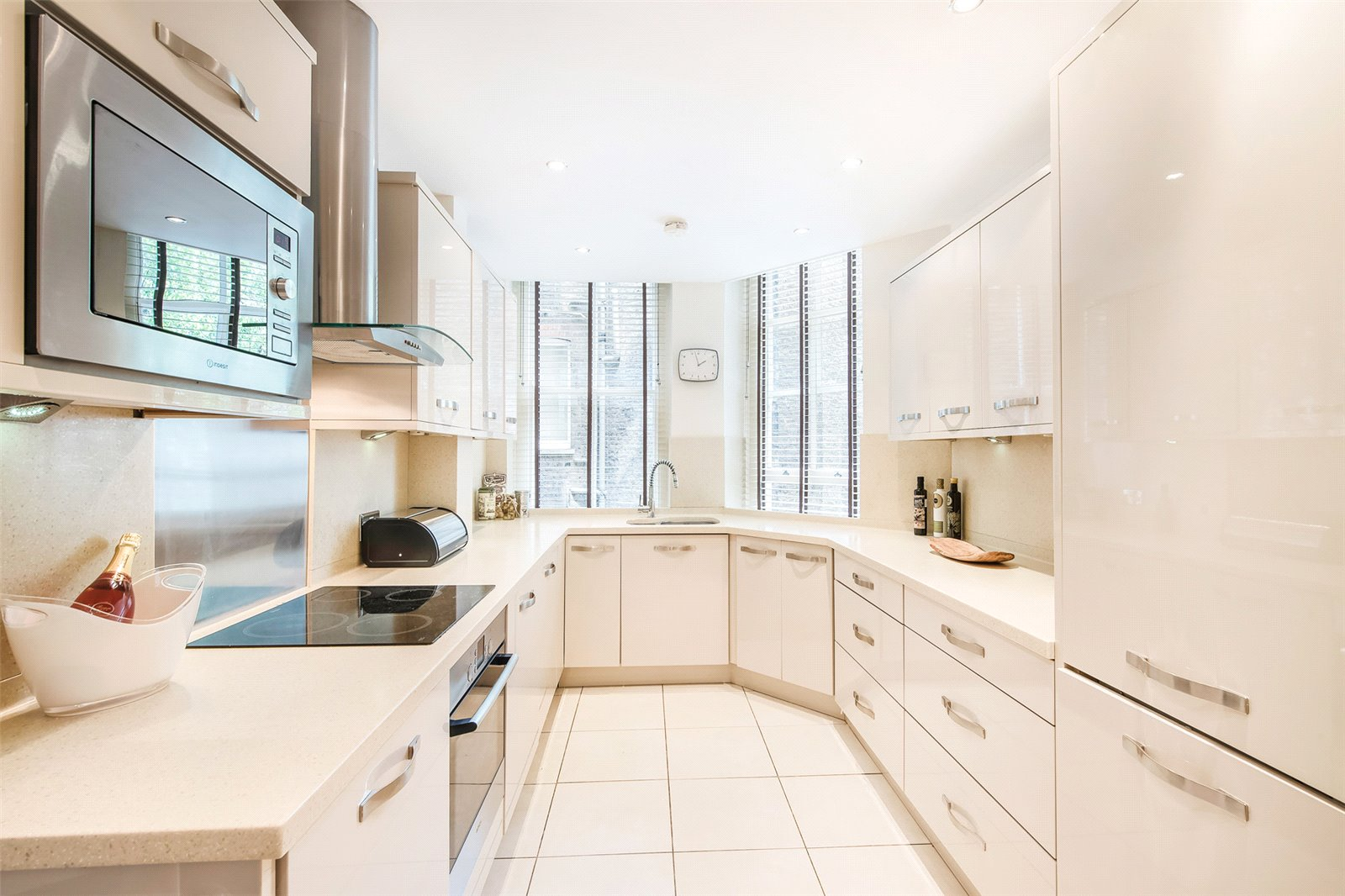 Apartment for Rent at Lincoln House, Basil Street, Knightsbridge, London, SW3 Lincoln House, Basil Street, Knightsbridge, London, SW3