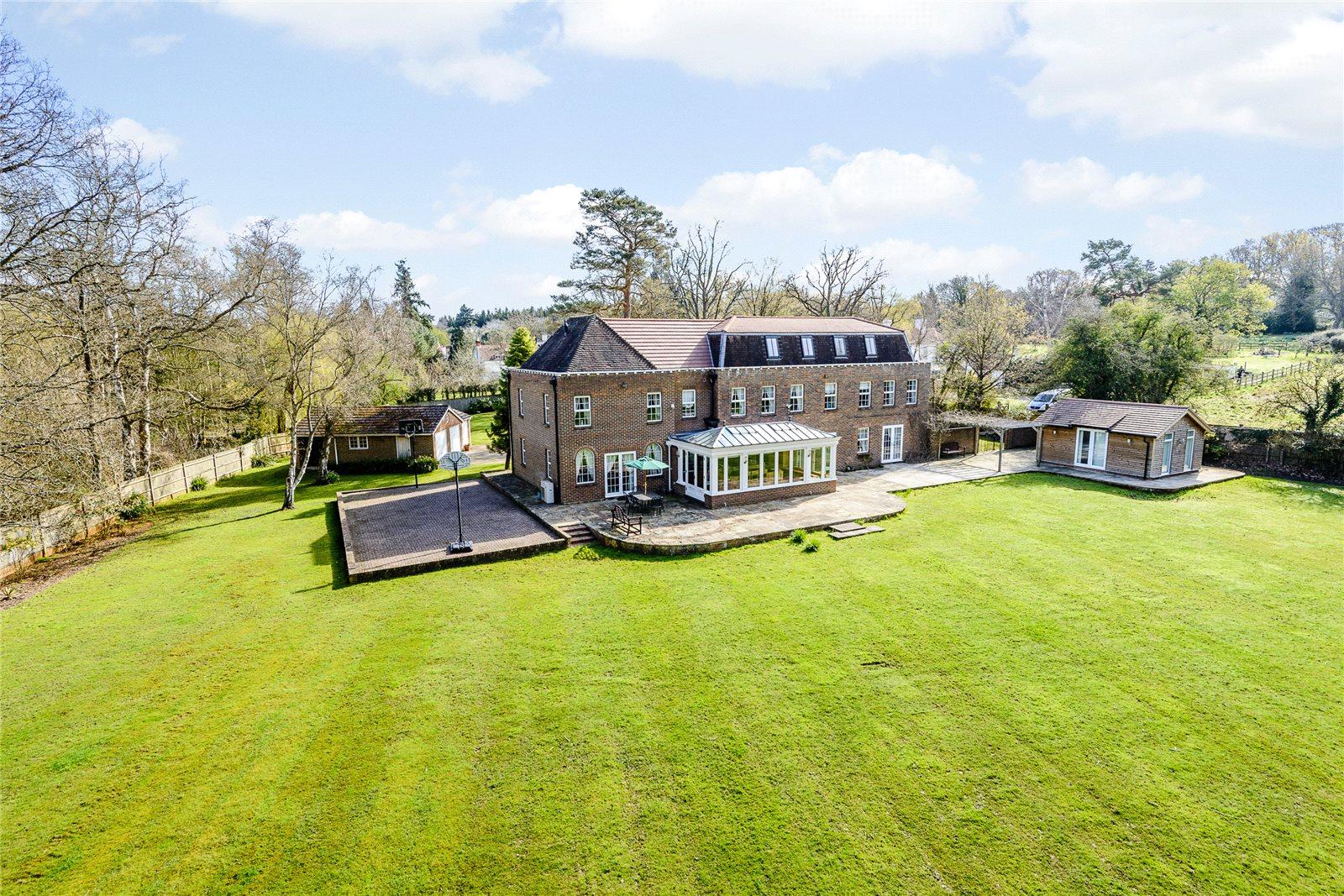 Casa para uma família para Venda às Coombe Lane, Ascot, Berkshire, SL5 Ascot, Inglaterra