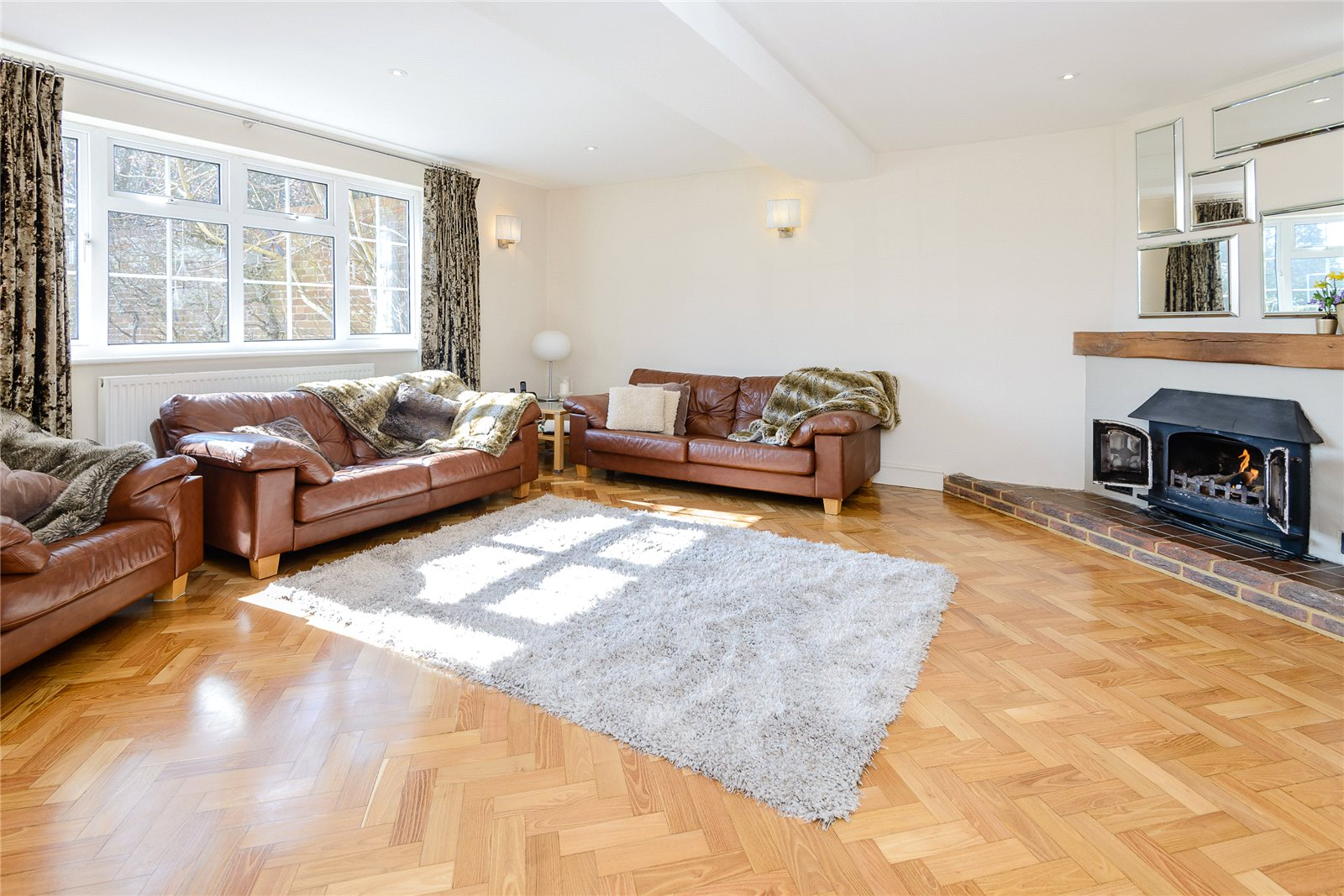 Additional photo for property listing at Winkfield Road, Ascot, Berkshire, SL5 Ascot, Engeland