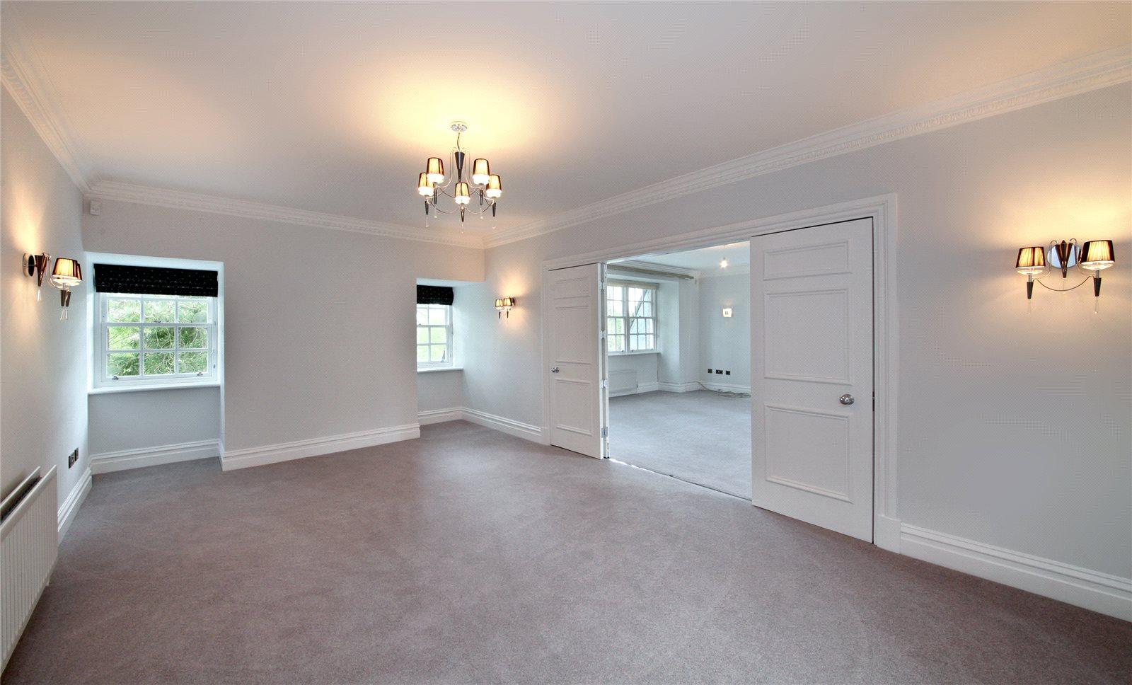 Additional photo for property listing at Turnberry House, Cross Road, Sunningdale, Berkshire, SL5 Sunningdale, Ingiltere