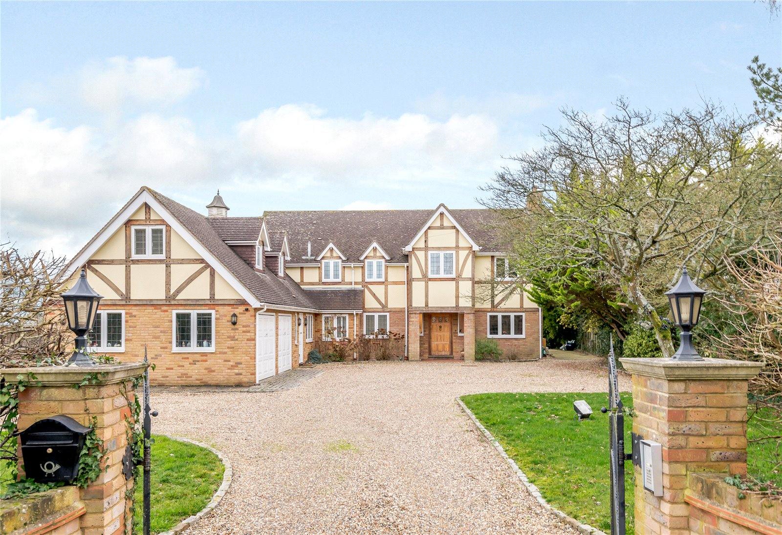 Winkfield Lane Maidens Green Windsor Berkshire Sl4 A Luxury