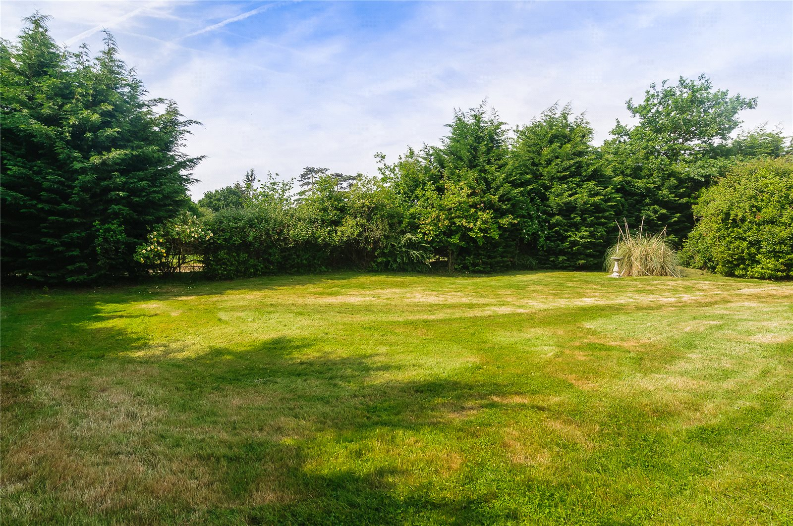 Additional photo for property listing at Forest Road, Warfield, Berkshire, RG42 Warfield, Inglaterra