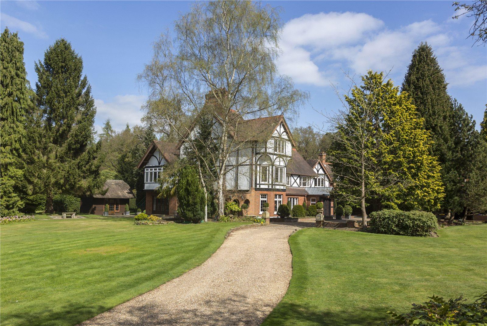 Additional photo for property listing at Bishopsgate Road, Englefield Green, Egham, Surrey, TW20 Egham, Angleterre