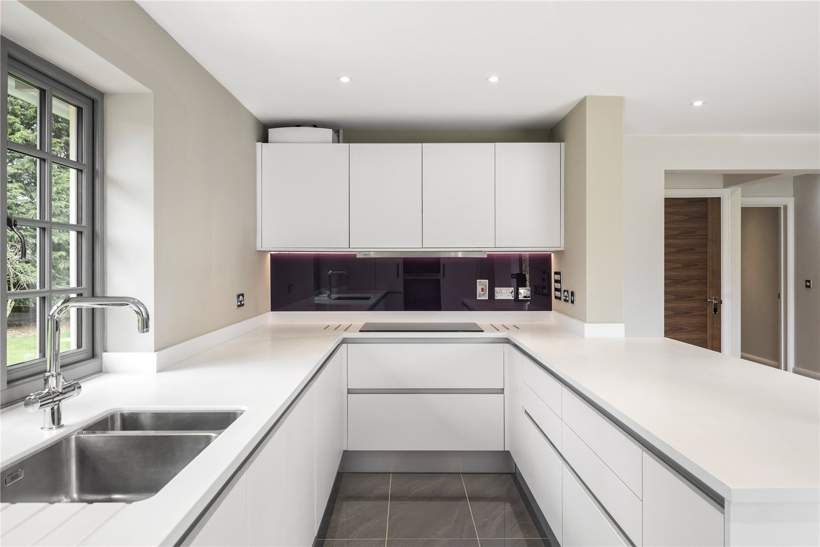 Additional photo for property listing at Sturt Green, Holyport, Maidenhead, Berkshire, SL6 Maidenhead, England
