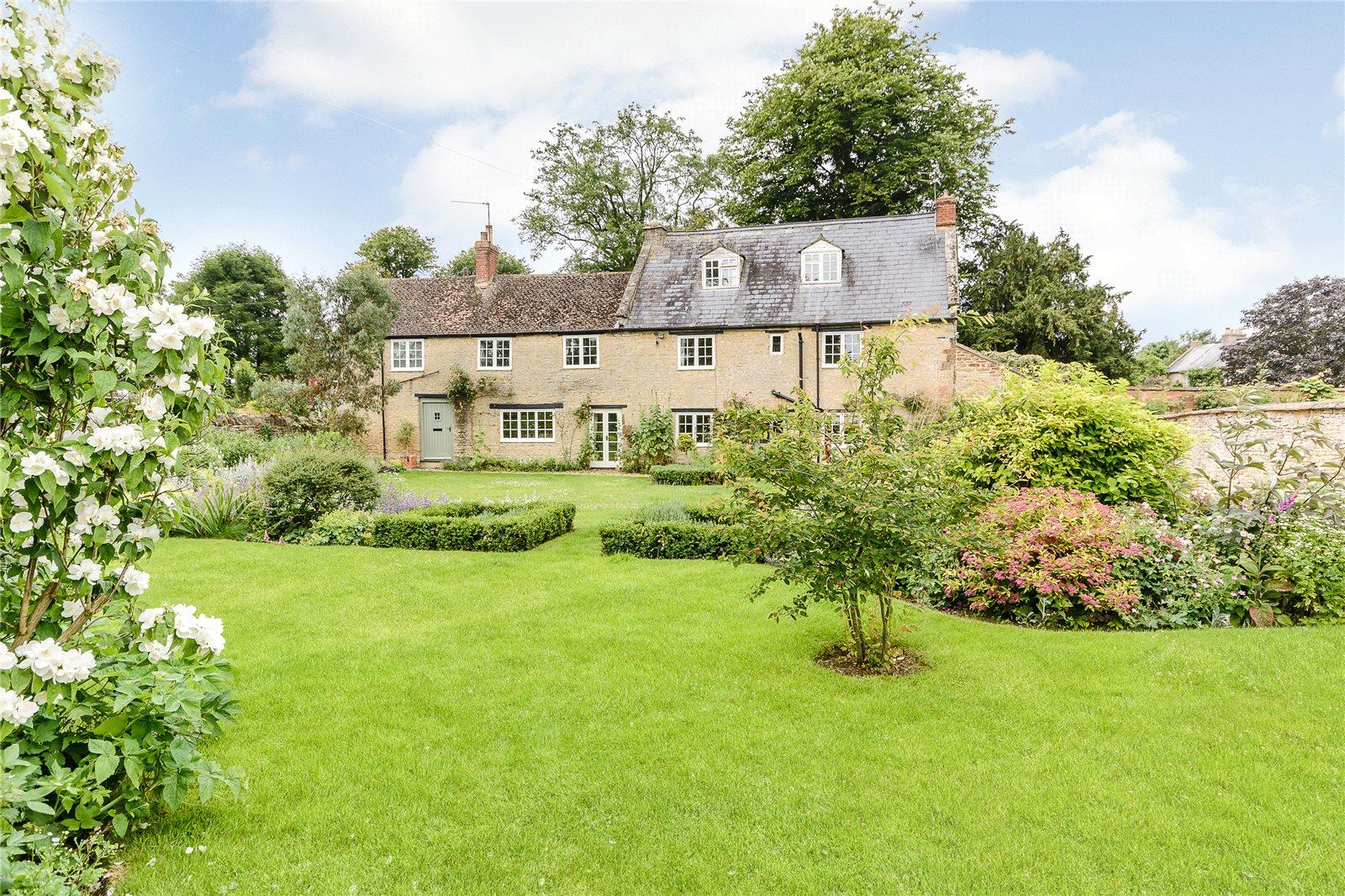 一戸建て のために 売買 アット Old Lane, Farthinghoe, Brackley, NN13 Brackley, イギリス