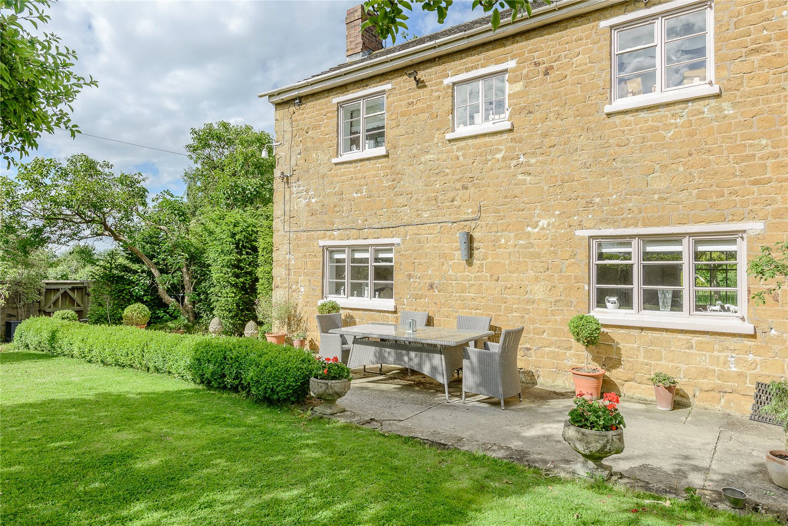 Additional photo for property listing at Blackwell, Warwickshire, CV36 Blackwell, England
