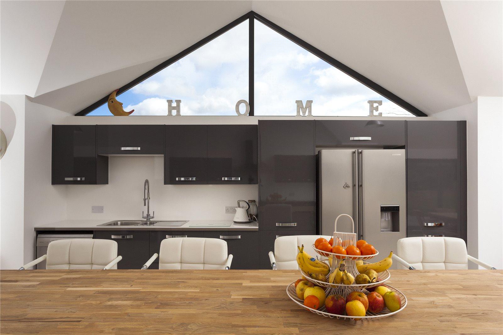 Additional photo for property listing at Canterbury Road, Challock, Ashford, Kent, TN25 Ashford, Angleterre