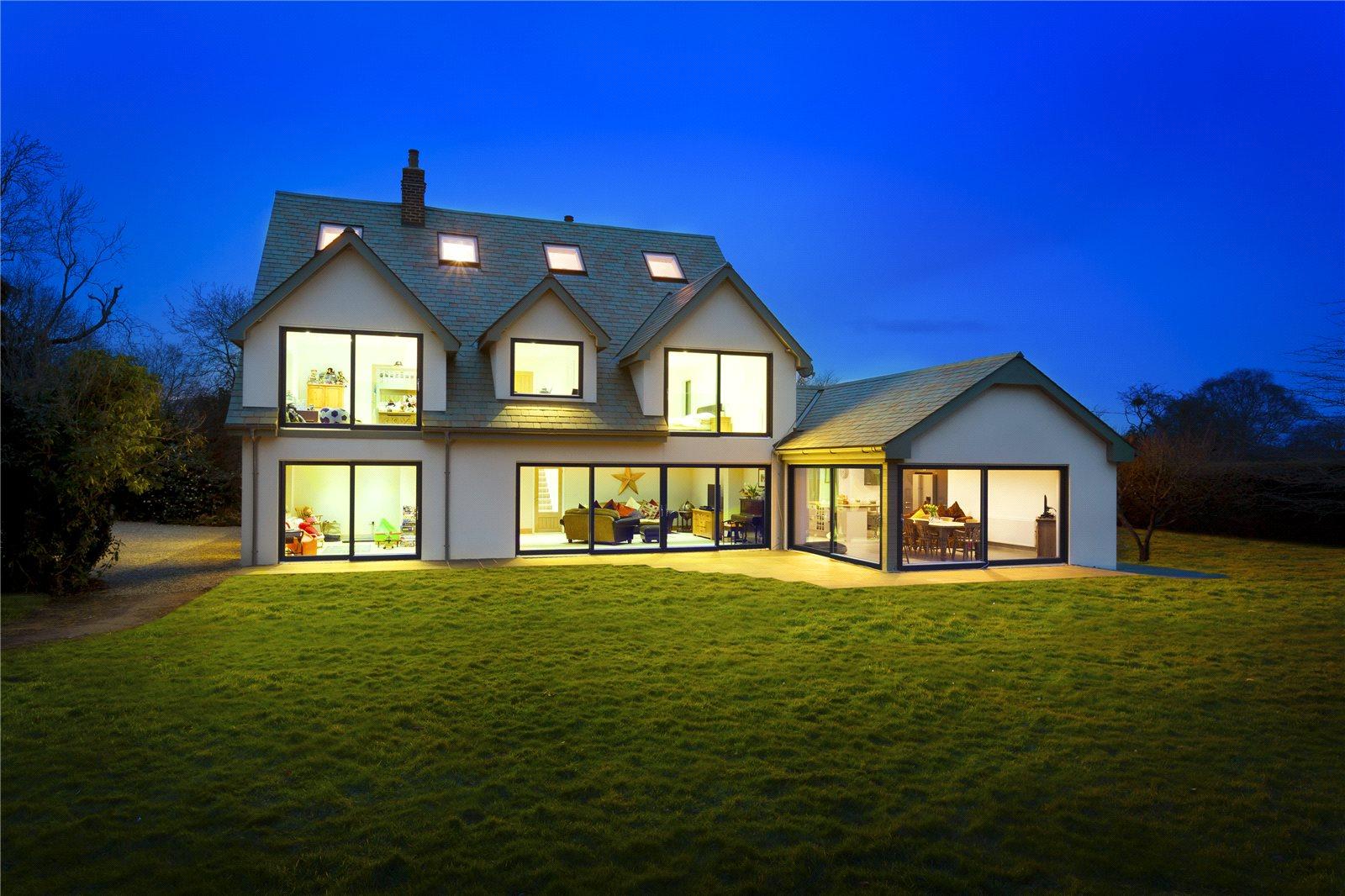 Villa per Vendita alle ore Canterbury Road, Challock, Ashford, Kent, TN25 Ashford, Inghilterra