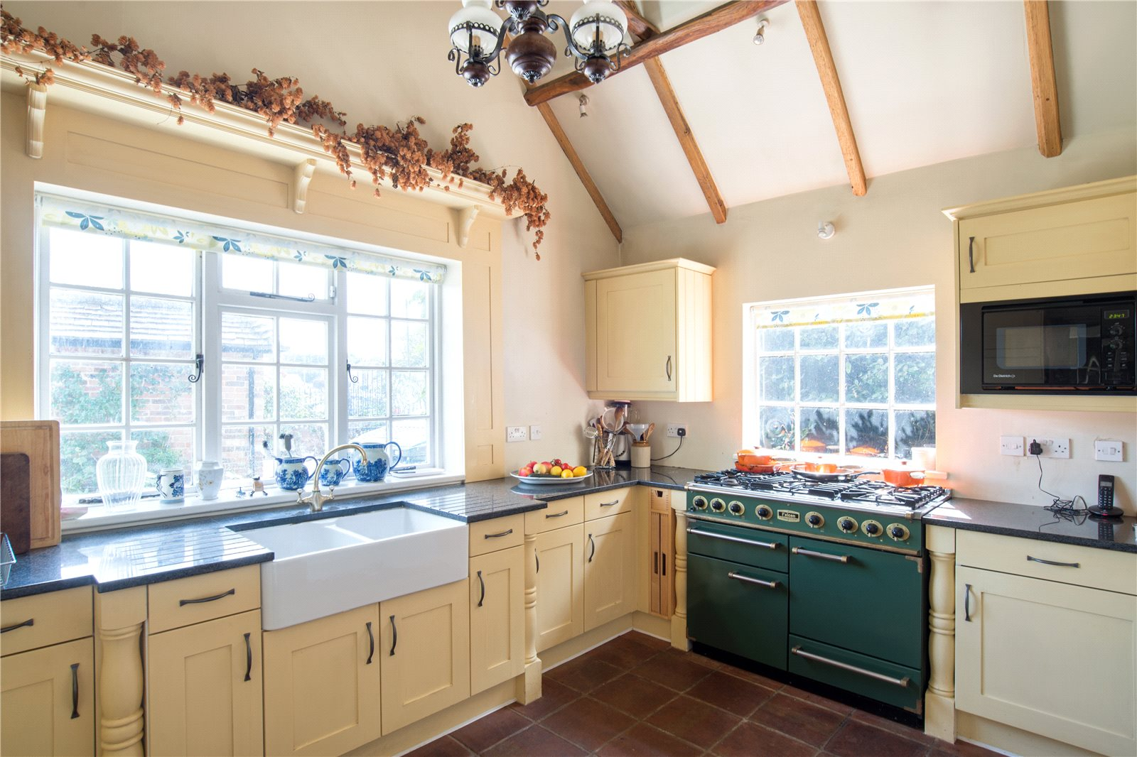 Additional photo for property listing at High Street, Wingham, Canterbury, Kent, CT3 Canterbury, Engeland