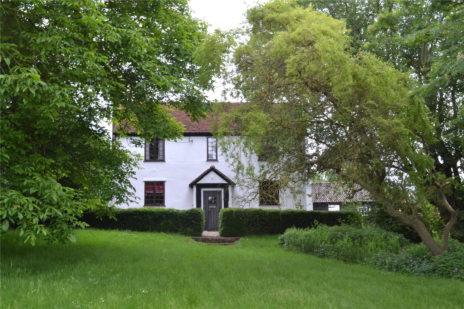 Additional photo for property listing at Duton Hill, Dunmow, Essex, CM6 Dunmow, Ingiltere