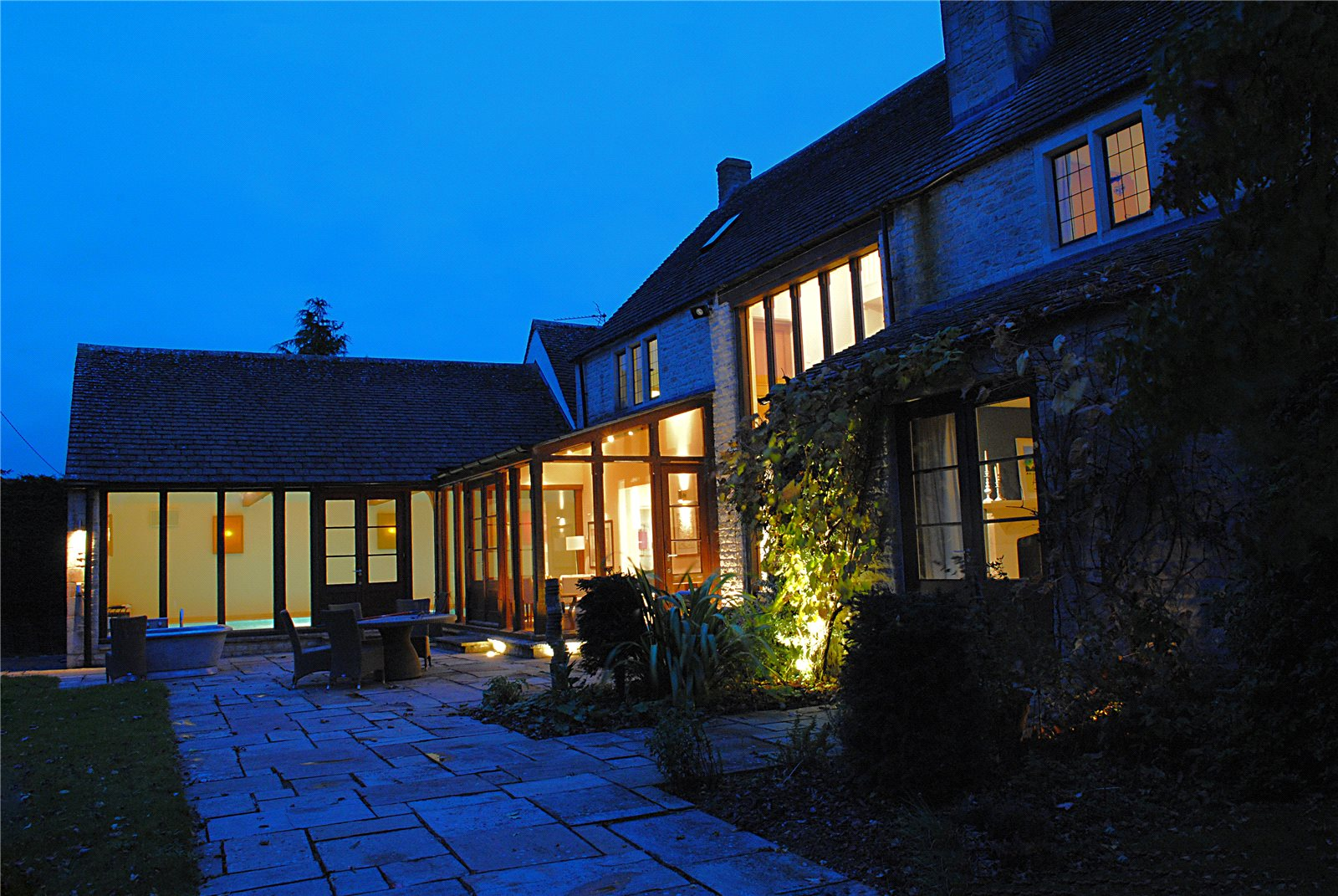 Additional photo for property listing at Fields Road, Chedworth, Cheltenham, Gloucestershire, GL54 Cheltenham, Angleterre