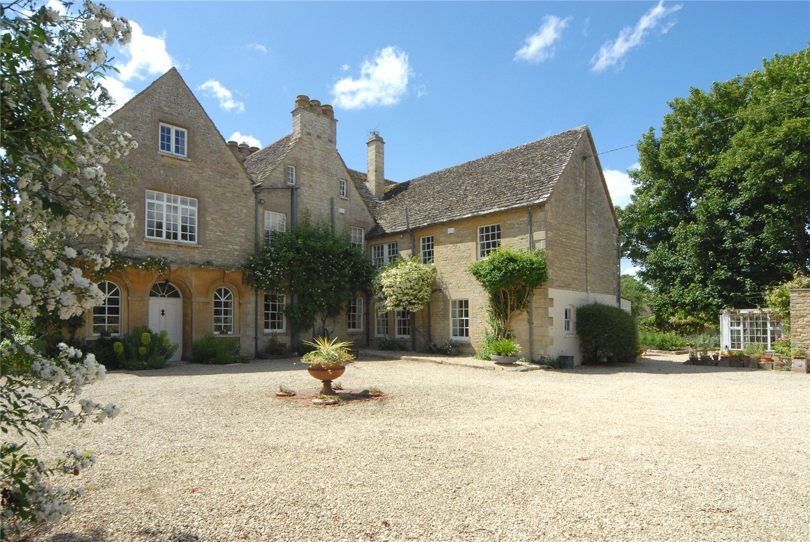 Additional photo for property listing at High Street, Kempsford, Fairford, Gloucestershire, GL7 Wales