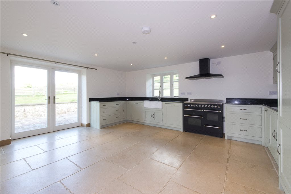 Additional photo for property listing at Bowcott, Wotton-Under-Edge, Gloucestershire, GL12 Wotton Under Edge, Inglaterra
