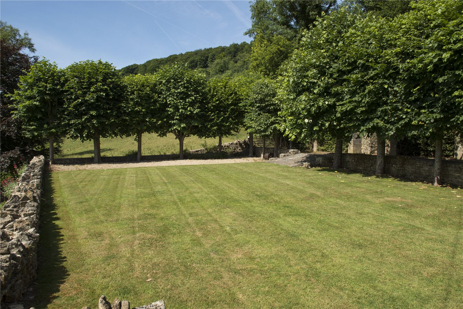 Additional photo for property listing at Slad, Stroud, Gloucestershire, GL6 Gloucestershire, イギリス