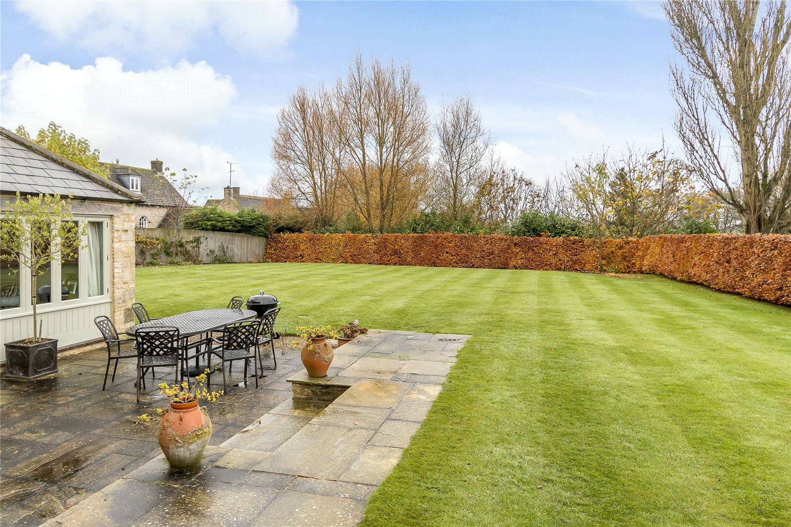 Additional photo for property listing at Lower Farm, Poole Keynes, Cirencester, Gloucestershire, GL7 Cirencester, Engeland