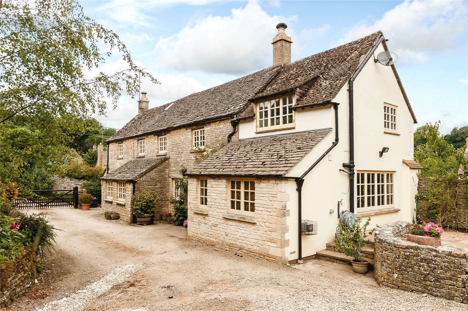 Additional photo for property listing at Duntisbourne Leer, Cirencester, Gloucestershire, GL7 Cirencester, Inghilterra
