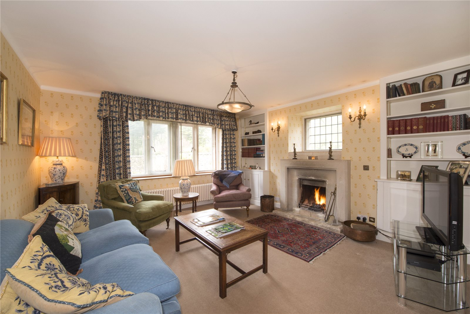 Additional photo for property listing at Warrens Gorse, Daglingworth, Cirencester, Gloucestershire, GL7 Cirencester, Inglaterra