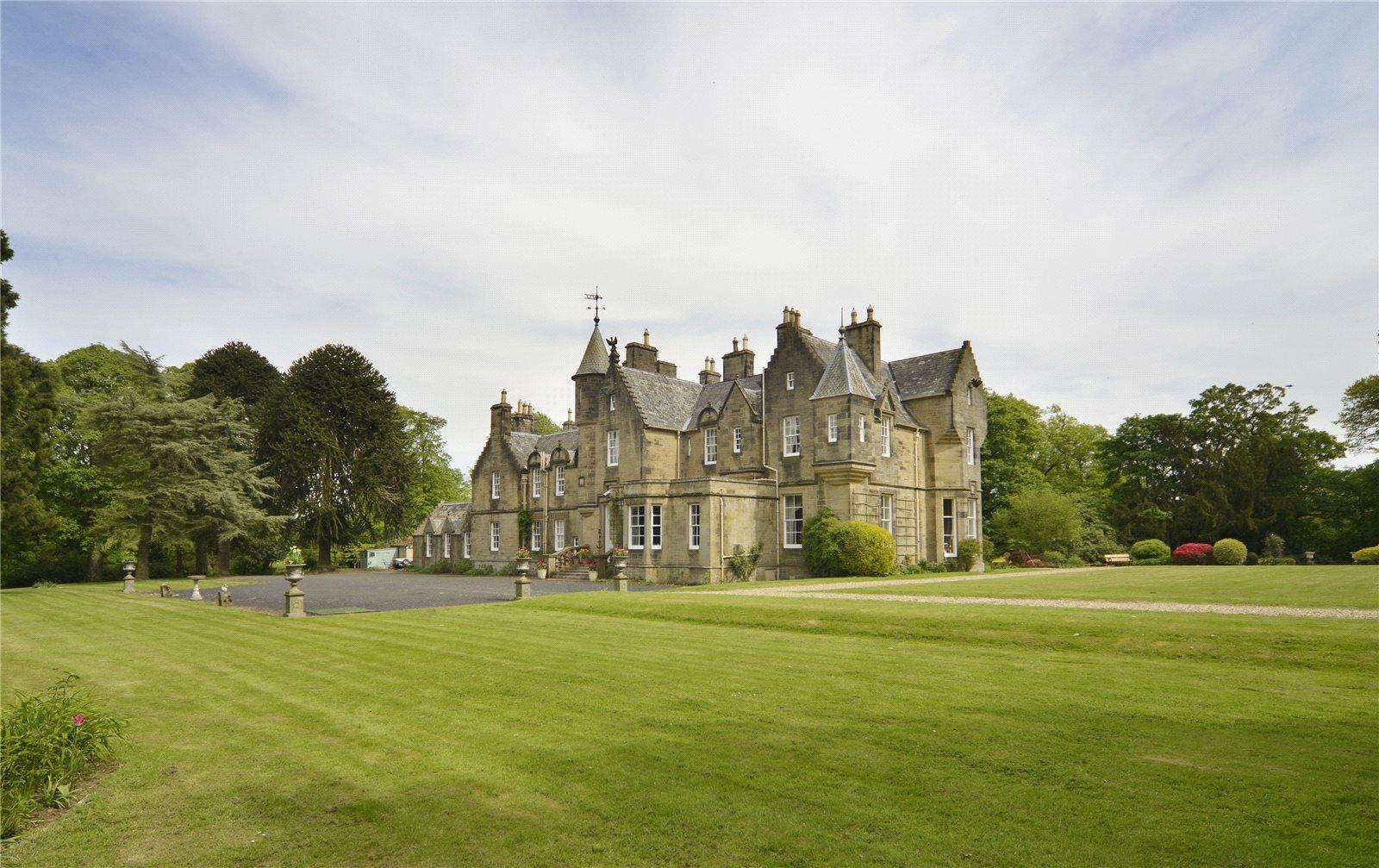 Single Family Home For Sale At Kirknewton, Midlothian, EH27 Midlothian,  Scotland