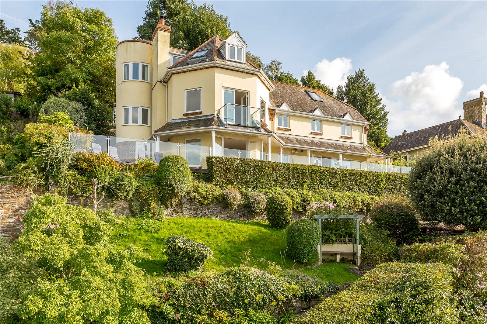 Villa per Vendita alle ore Higher Street, Kingswear, Dartmouth, Devon, TQ6 Dartmouth, Inghilterra