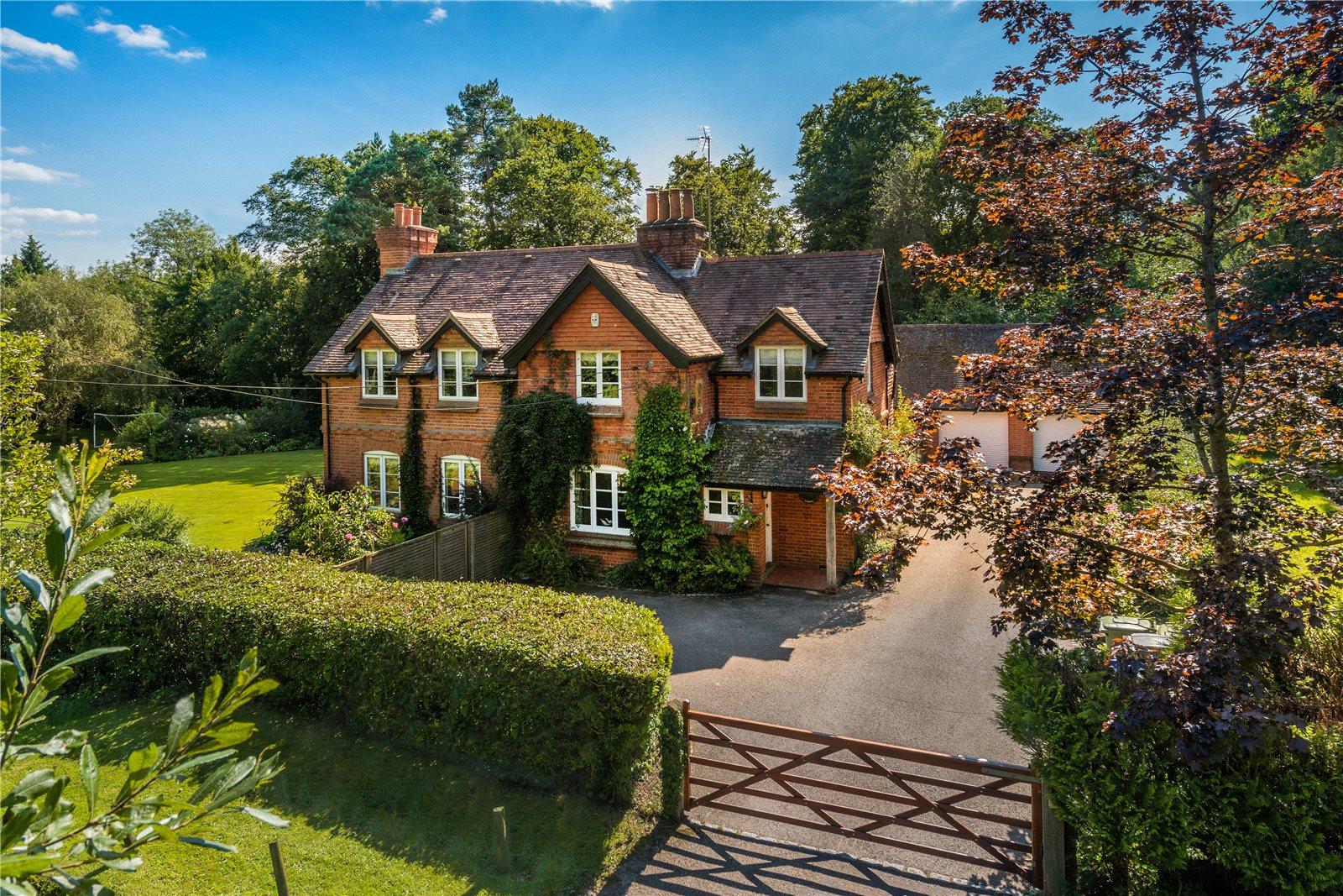 단독 가정 주택 용 매매 에 Dockenfield, Farnham, Surrey, GU10 Farnham, 영국