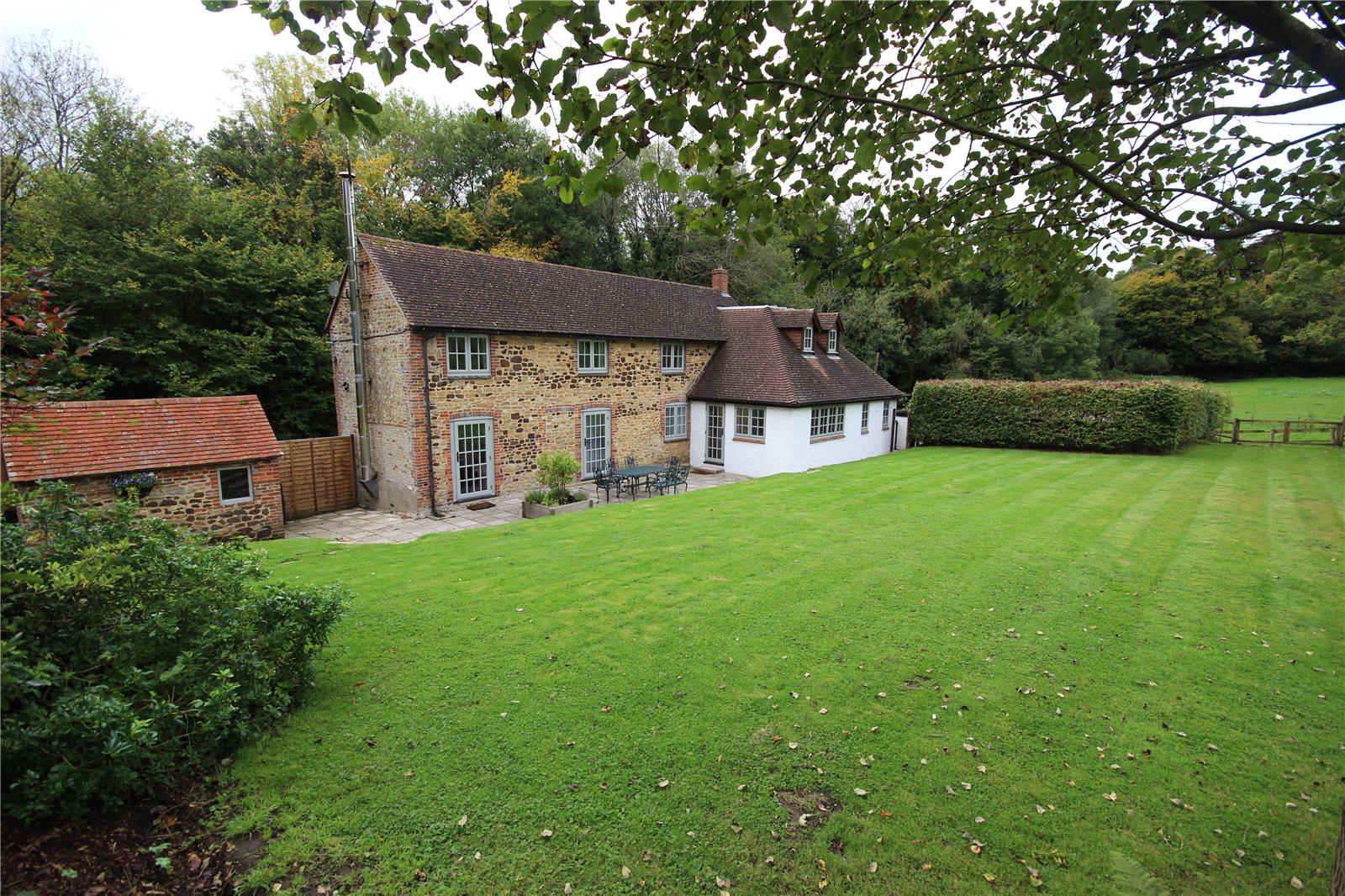 独户住宅 为 销售 在 Lampard Lane, Churt, Farnham, Surrey, GU10 Farnham, 英格兰