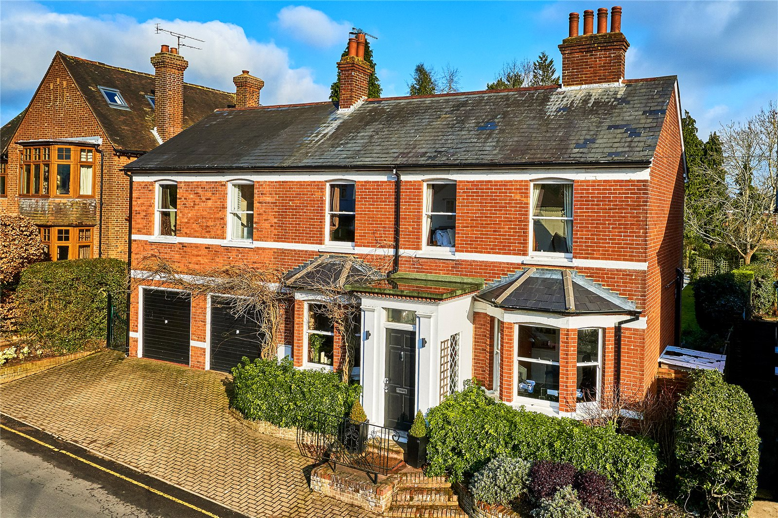 Nhà ở một gia đình vì Bán tại Crondall Lane, Farnham, Surrey, GU9 Farnham, Anh Quốc