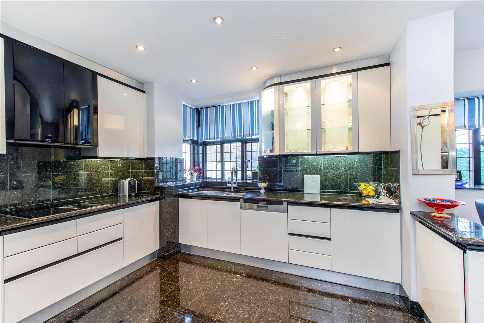 Additional photo for property listing at Fulmer Chase, Stoke Common Road, Fulmer, Buckinghamshire, SL3 Fulmer, Ingiltere