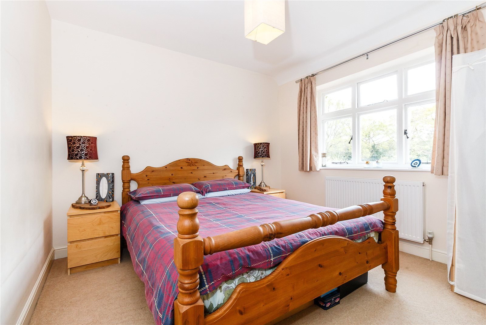 Additional photo for property listing at Hay Lane, Fulmer, Buckinghamshire, SL3 Fulmer, Anh Quốc