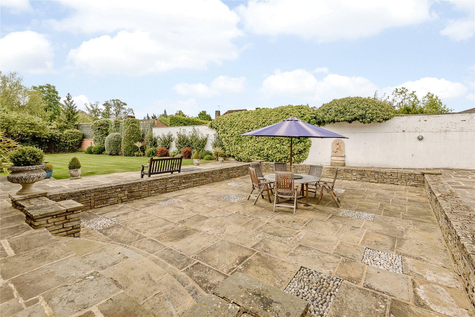 Additional photo for property listing at Village Road, Denham Village, Buckinghamshire, UB9 Buckinghamshire, Inglaterra