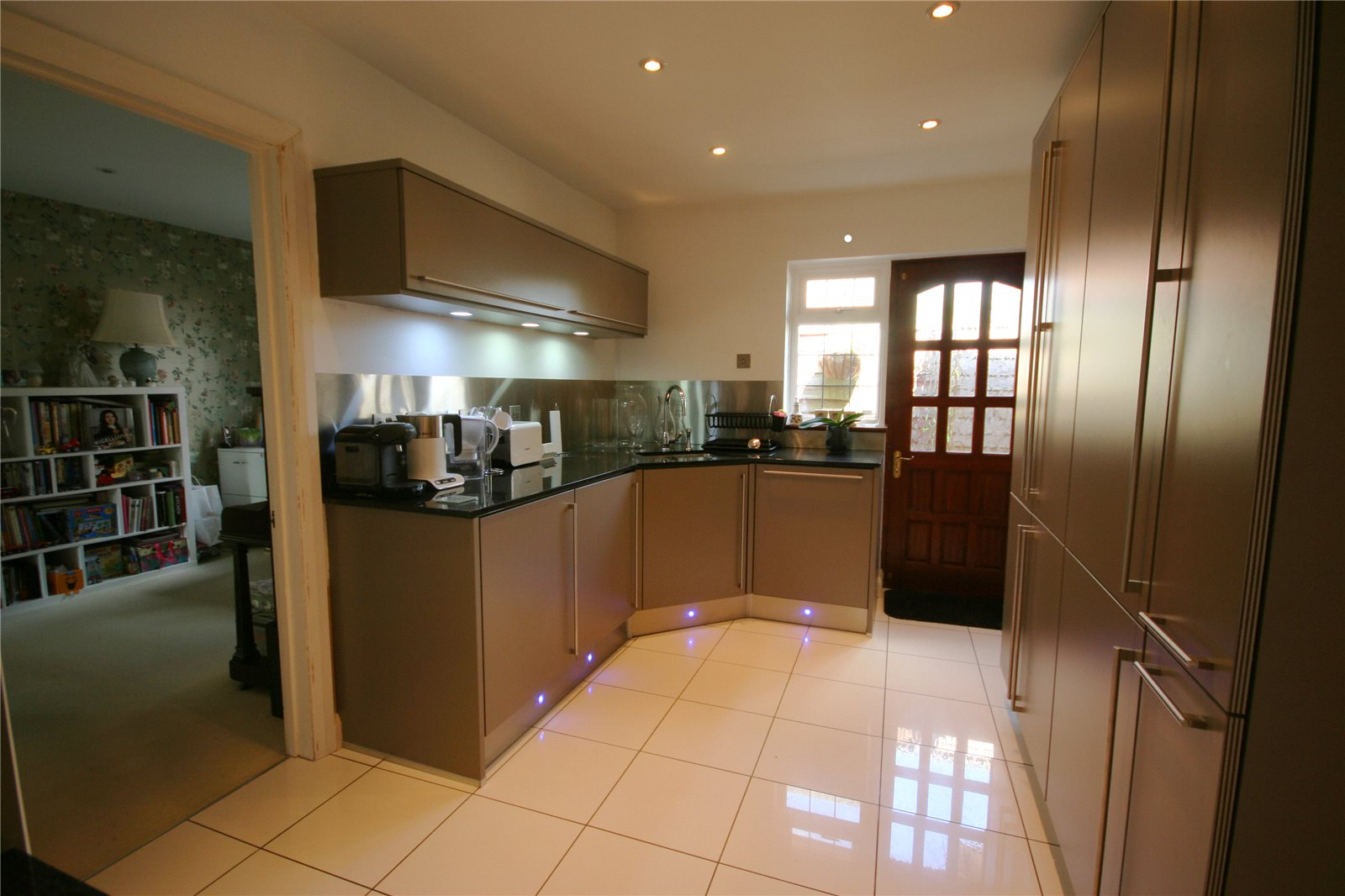 Additional photo for property listing at Denham Lane, Chalfont St Peter, Gerrards Cross, Buckinghamshire, SL9 Gerrards Cross, イギリス